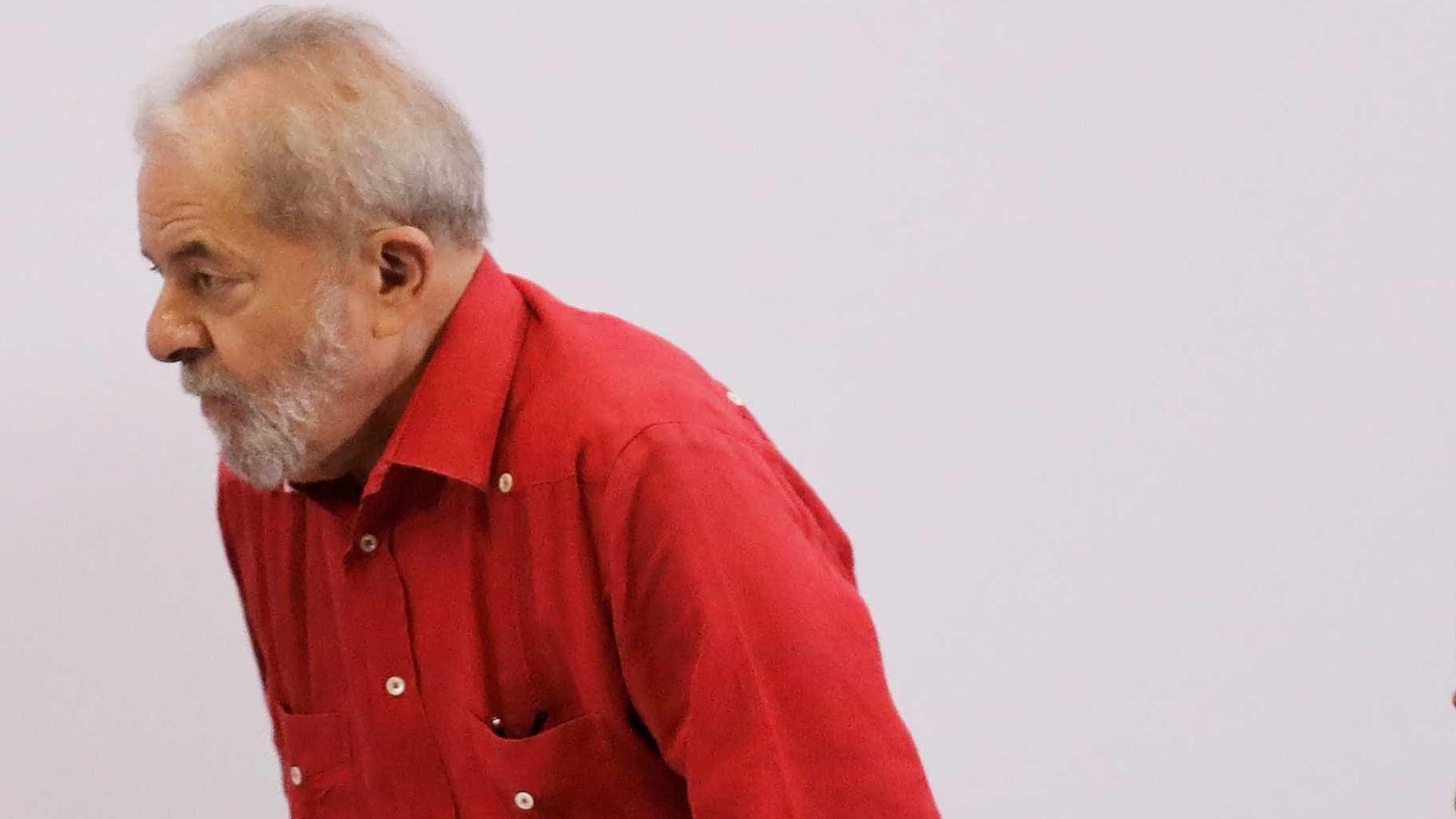 Resultado de imagem para Lula abalado