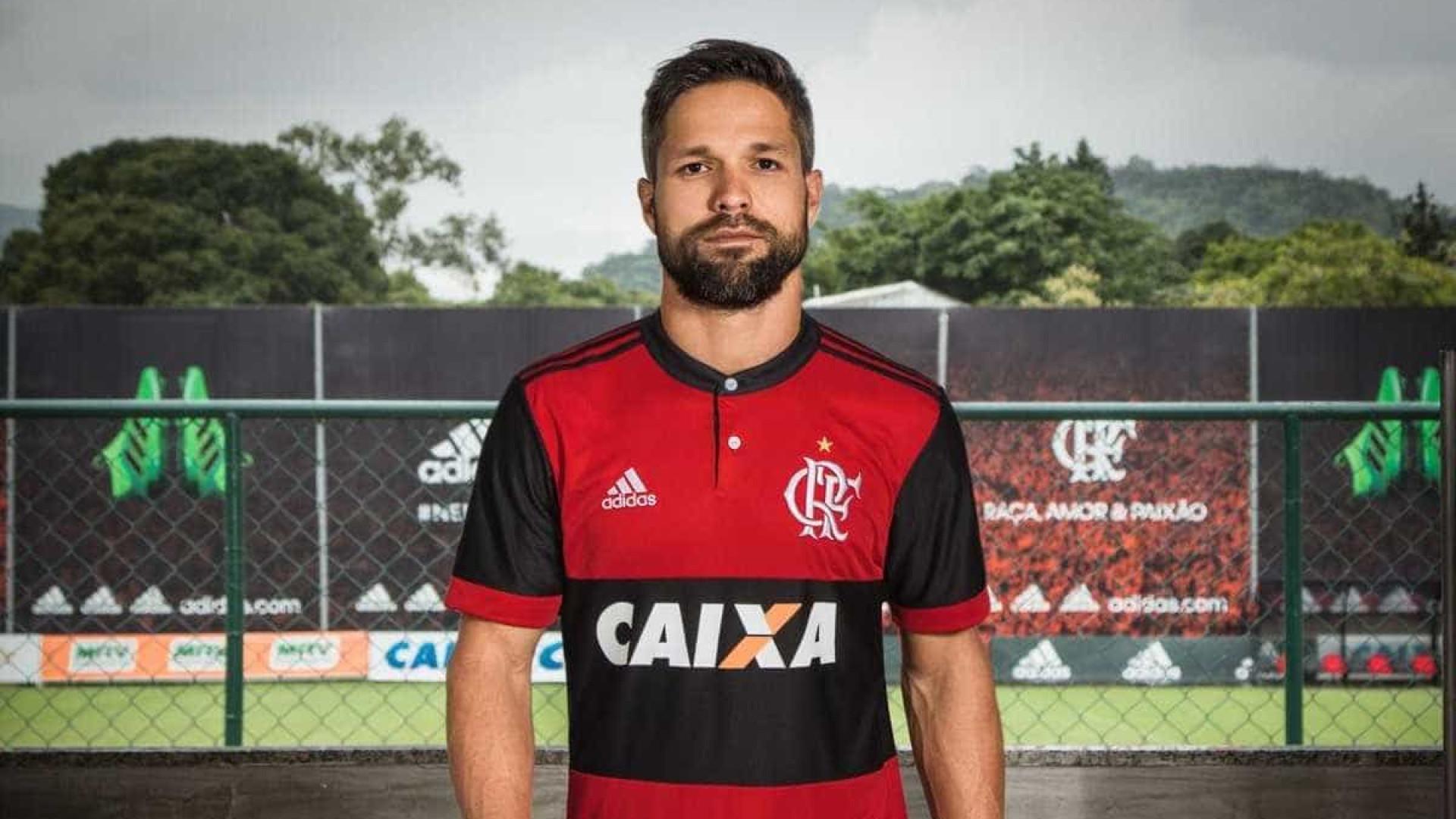 Flamengo Lança Nova Camisa, Inspirada Na 'era Zico