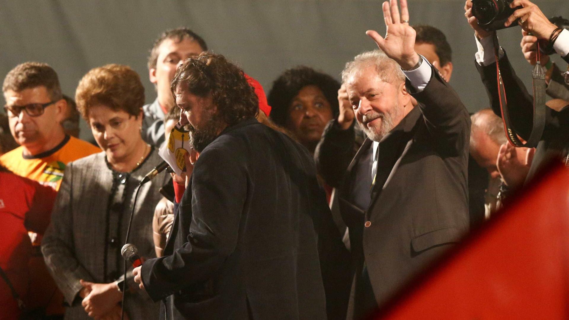 Lula entrega recibos do aluguel à Justiça em Curitiba