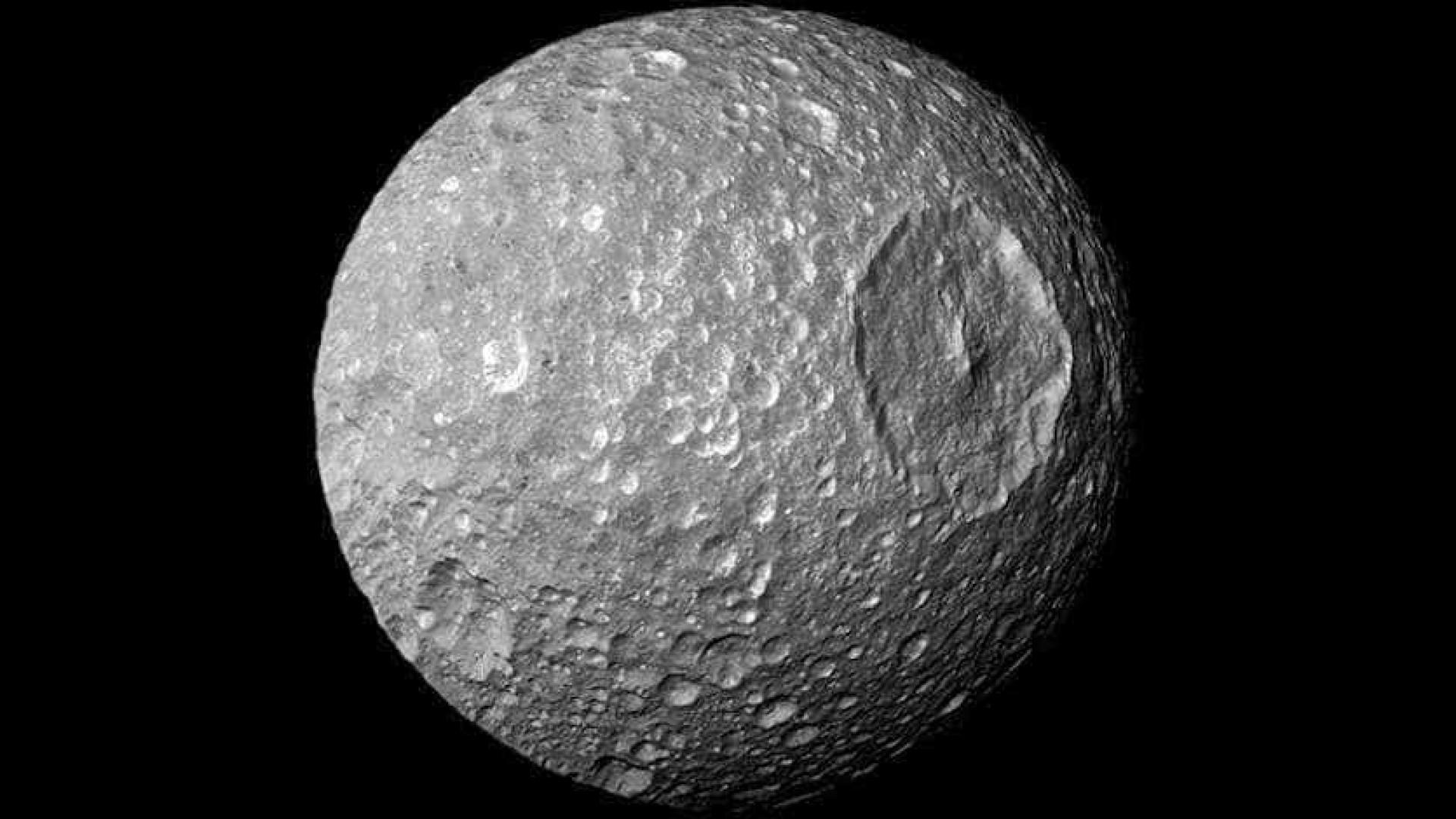 Ufólogos descobrem 'base secreta' de extraterrestres na Lua; vídeo