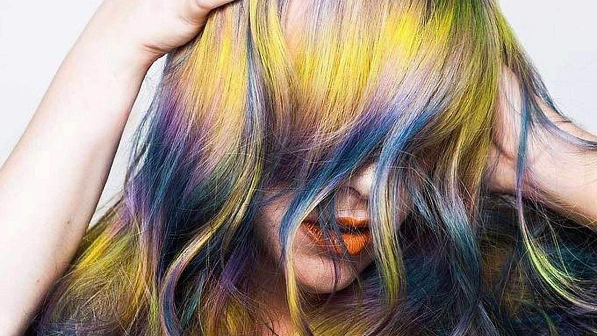 """""""Shine Line Hair"""" - nova tendência para os cabelos"""