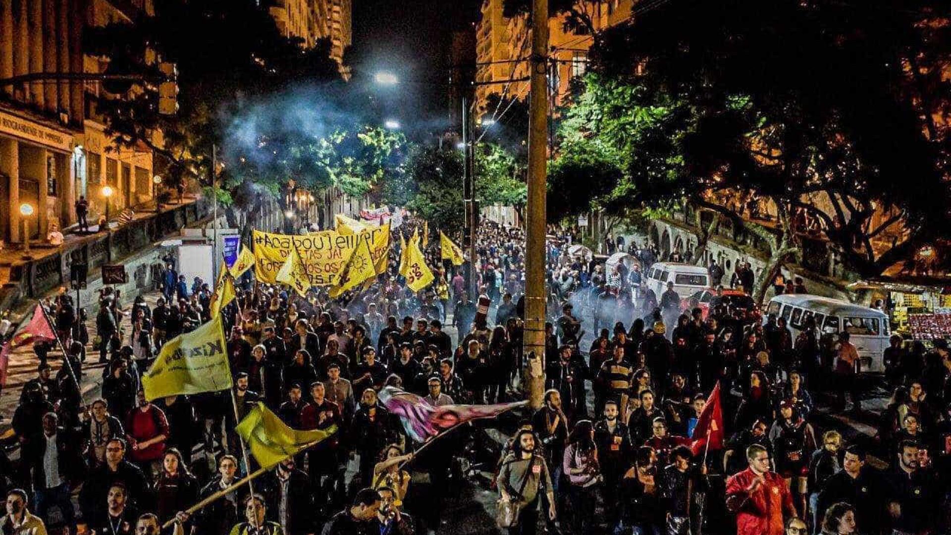 Milhares de manifestante tomam as ruas contra Michel Temer