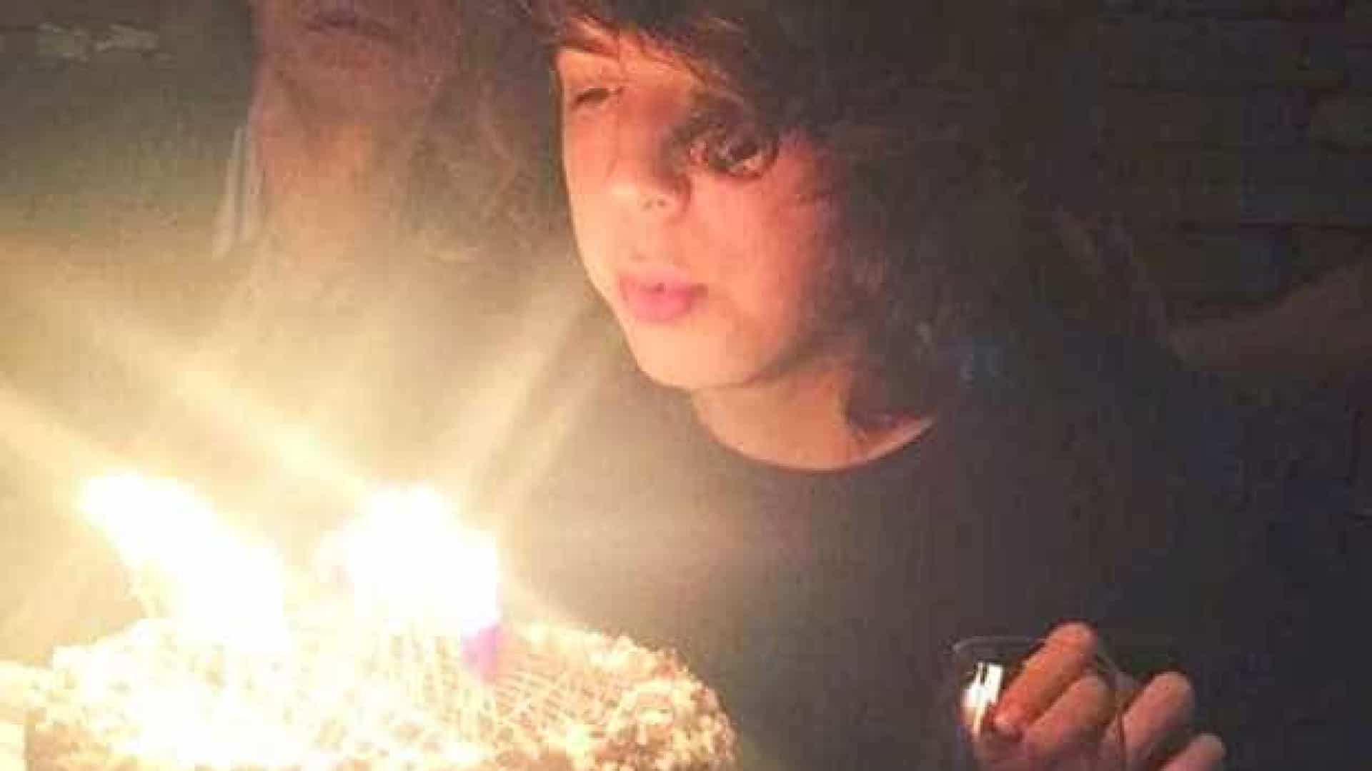 Lucas Jagger faz 18 anos com direito à presença do pai