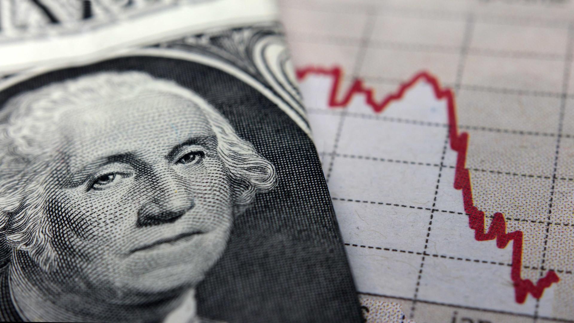 Dólar atinge R$ 3,32 e tem maior alta diária desde delação da JBS