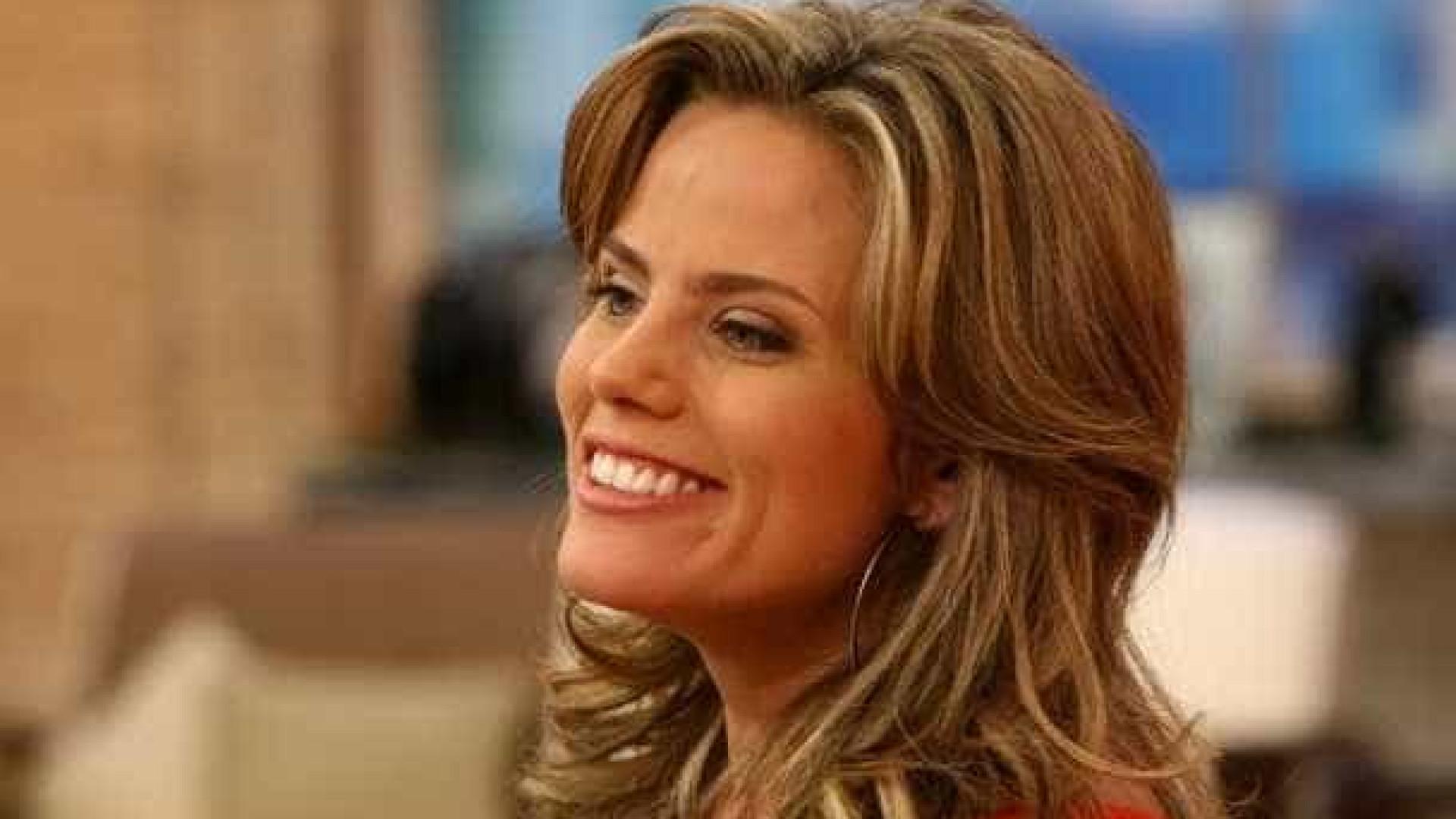 """Maria Cândida relembra depressão  pós-parto: """"Foi muito difícil"""""""