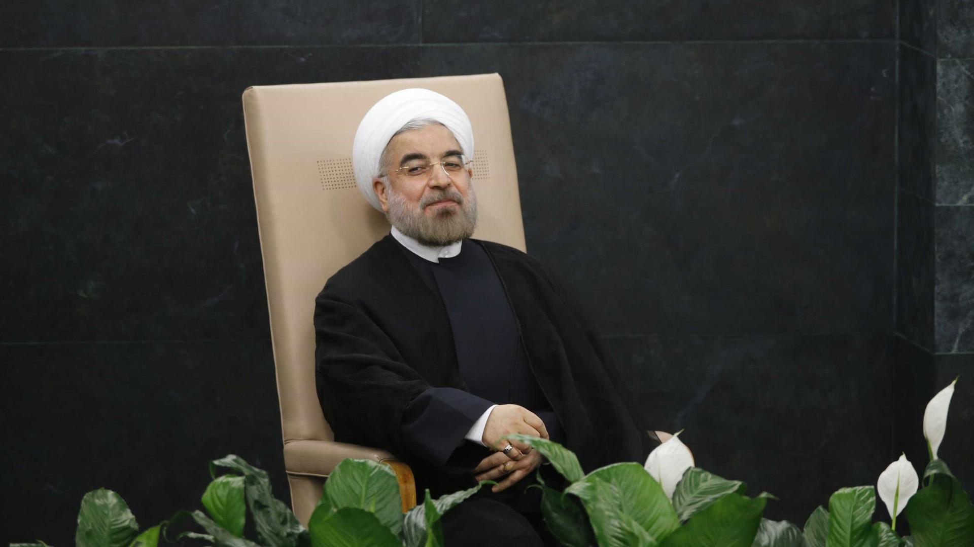 Hassan Rouhani é reeleito presidente no Irã