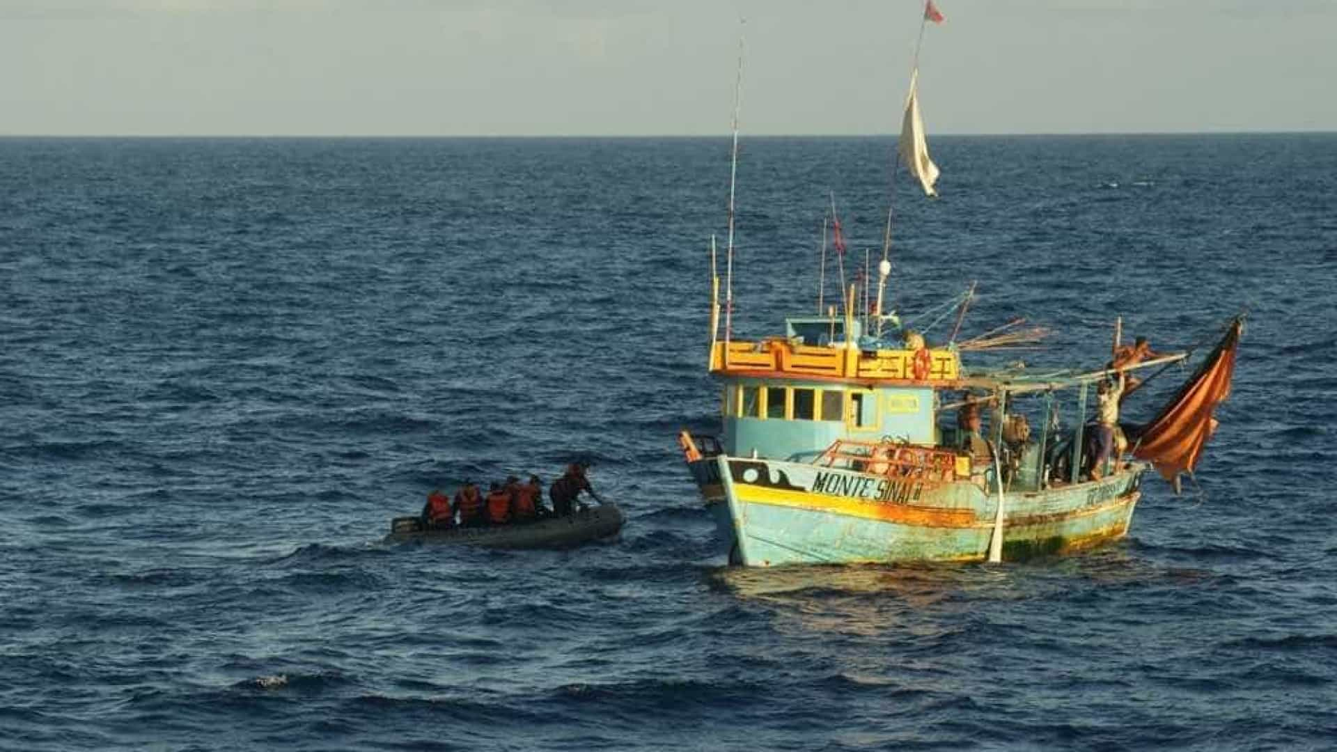 Pescadores à deriva são resgatados na costa potiguar após quatro dias