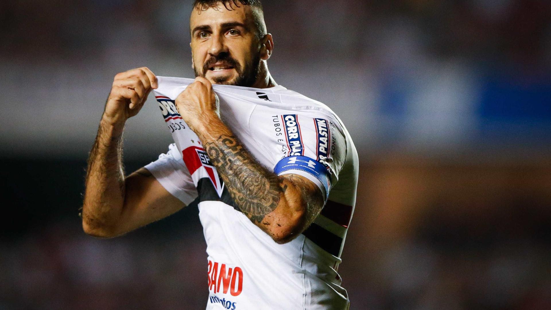 Presidente do River Plate prepara proposta para Pratto