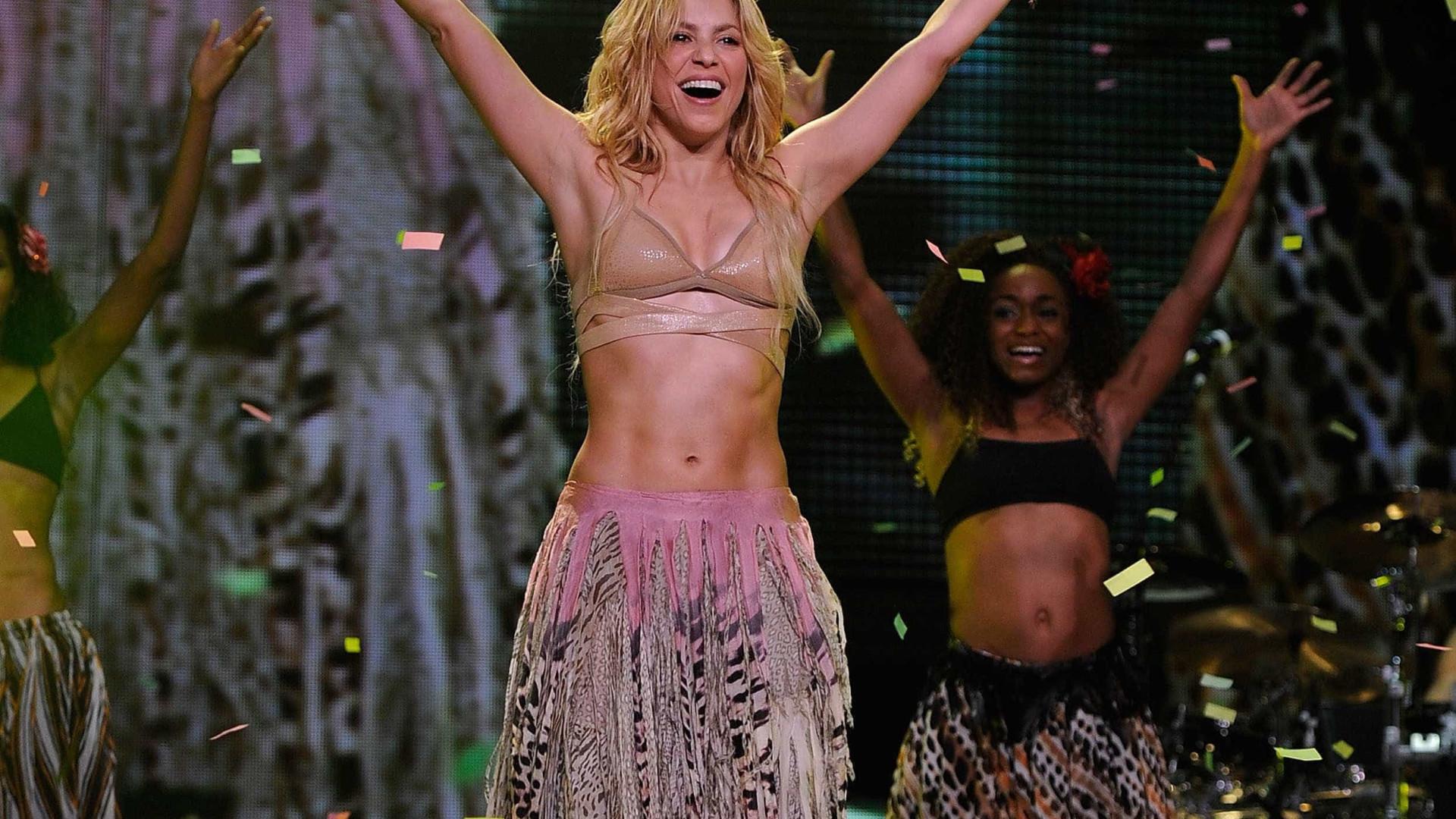 Shakira sofre com a voz em show na Espanha, dizem jornais
