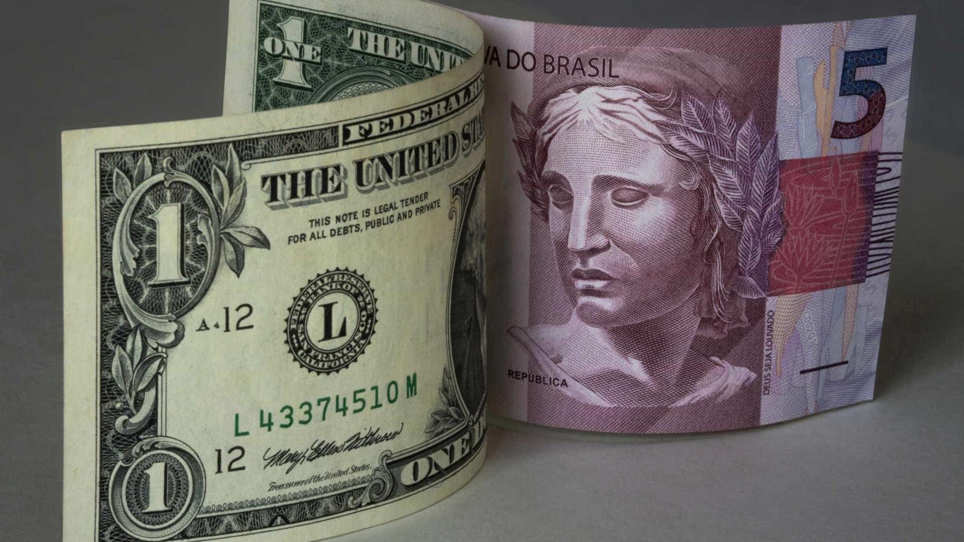 Bolsa fecha em baixa; dólar sobe a R$ 3,14