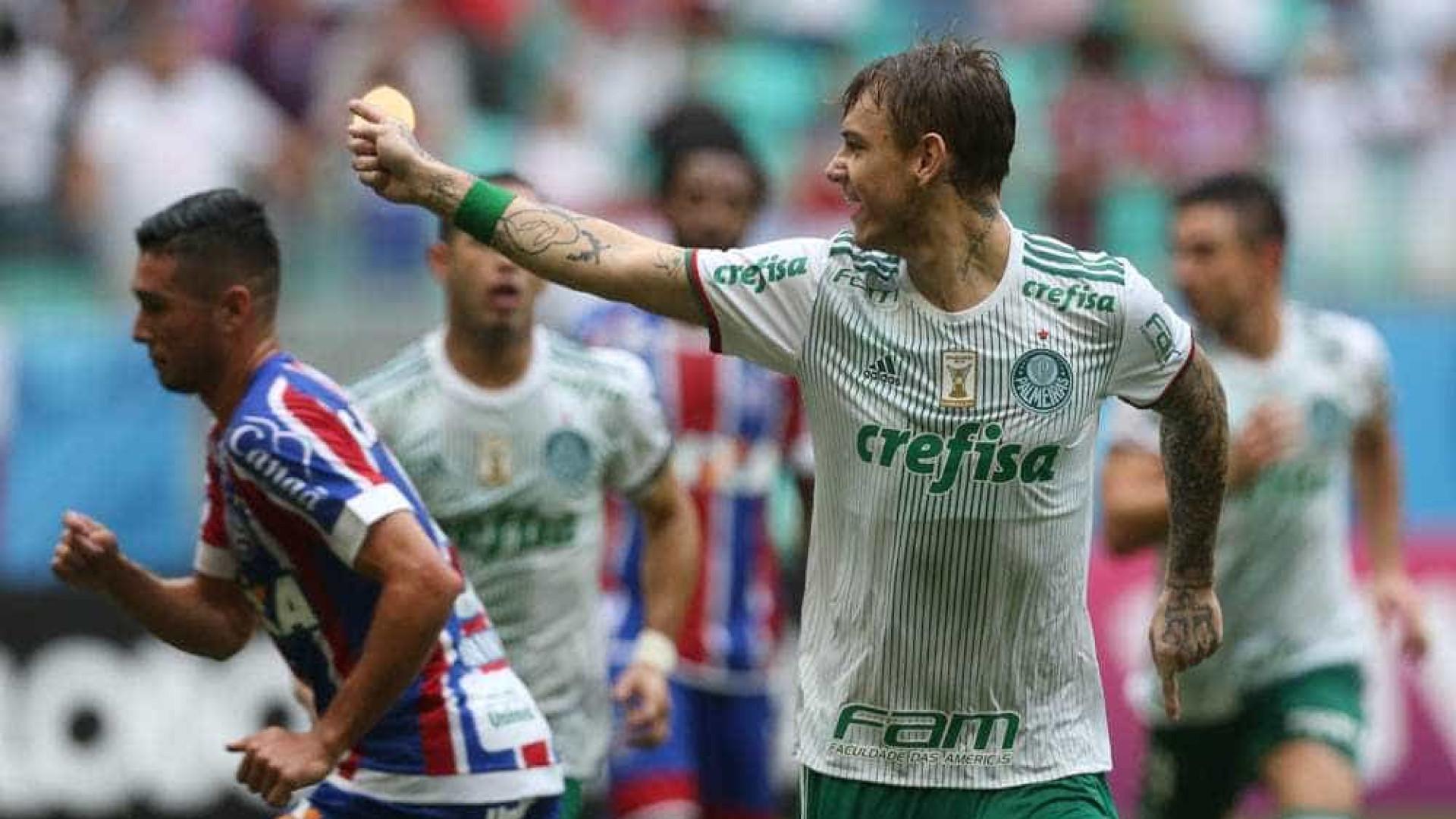 Cuca modifica time titular pela 9ª vez, e Palmeiras vence 1ª fora