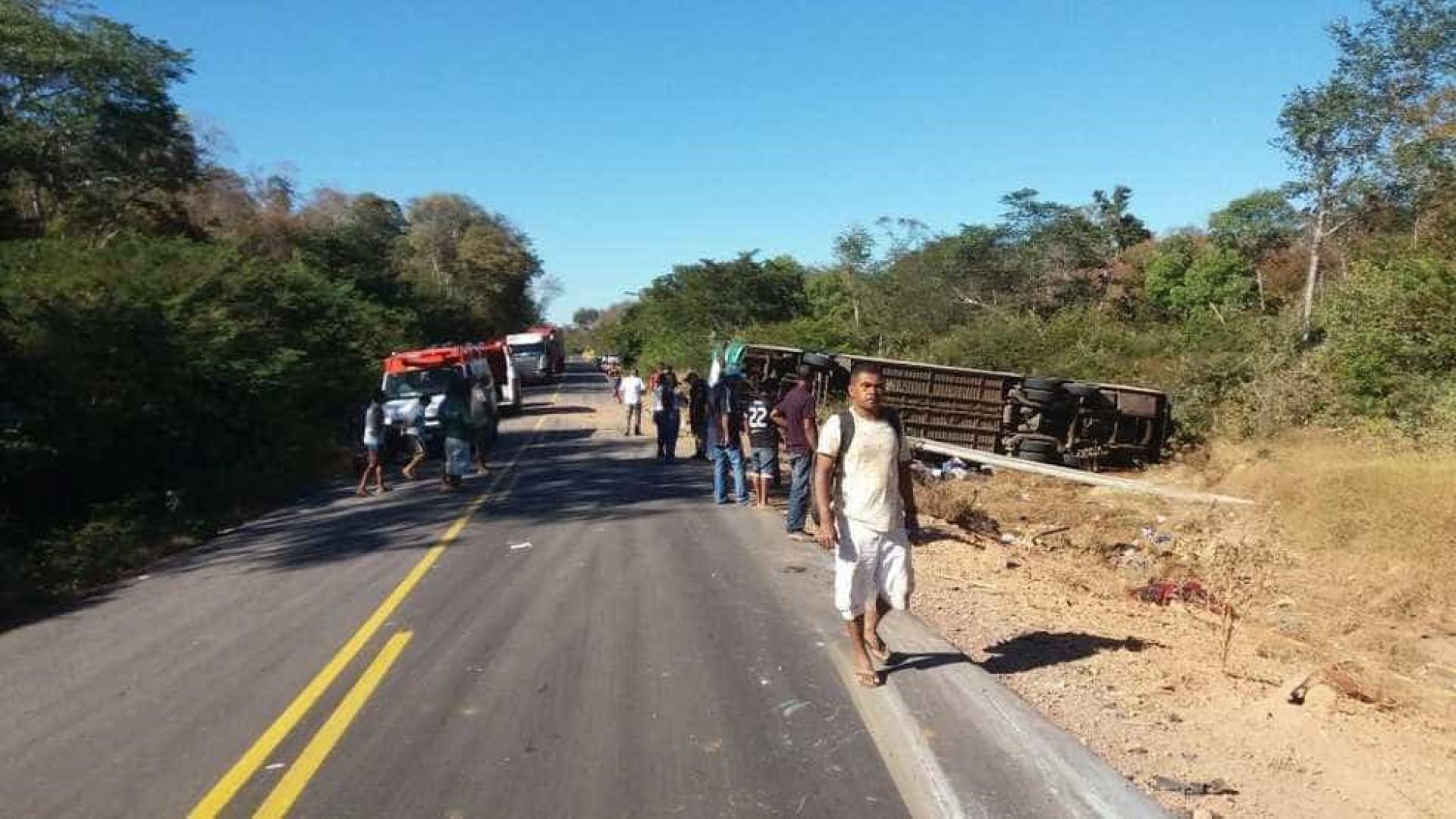 Acidente de ônibus em Minas deixa 11 mortos e 20 feridos