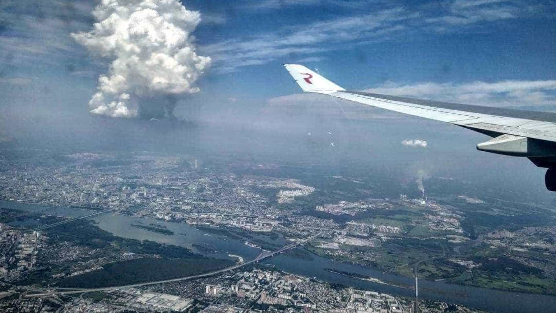 Nuvem parecida com cogumelo nuclear assusta Rússia; veja