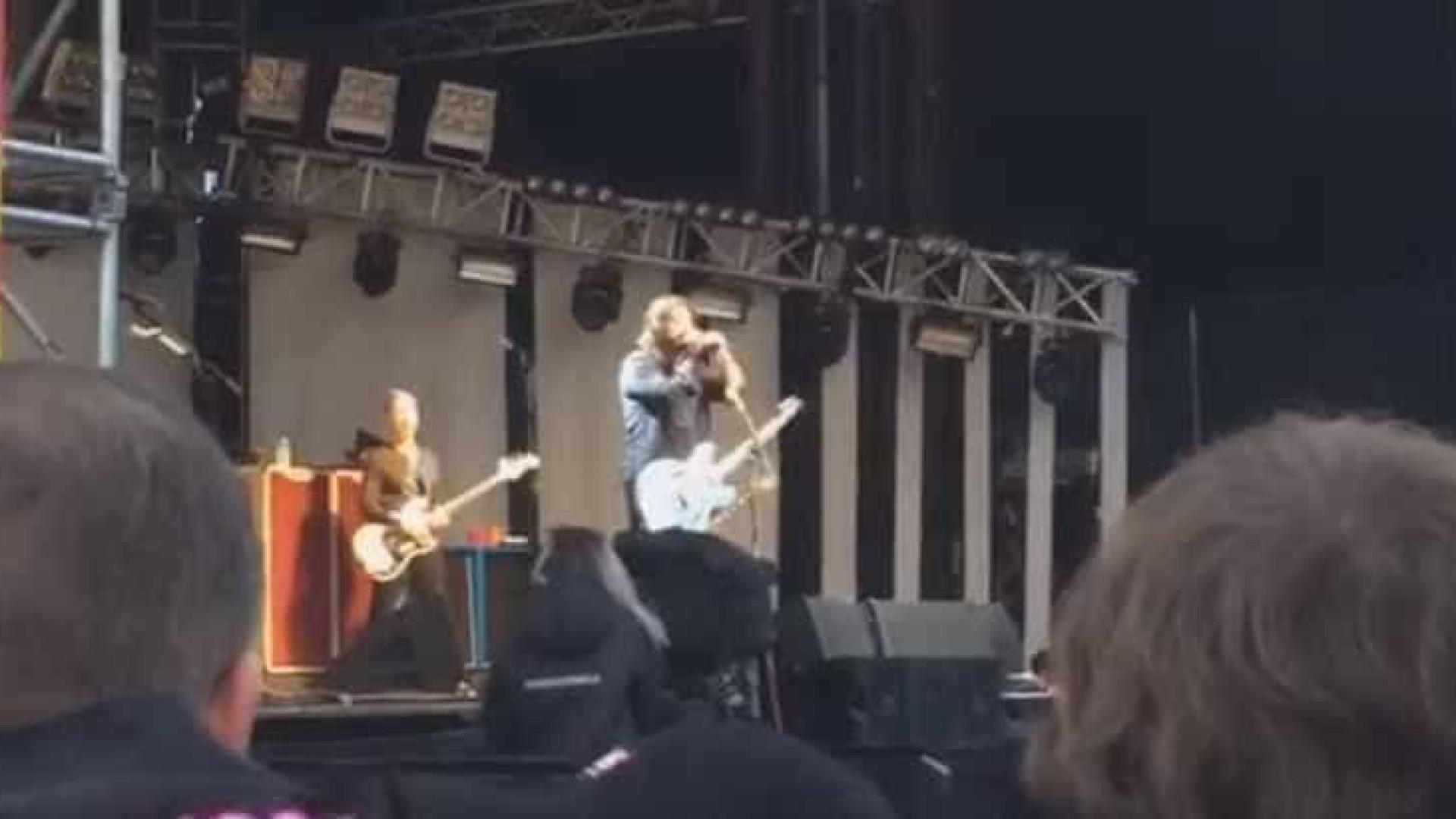 Foo Fighters apresenta inédita em show na Islândia