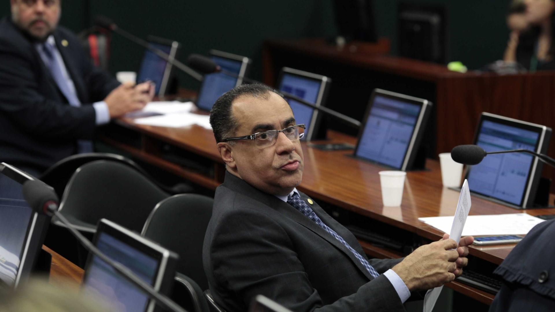 Deputado preso sofre AVC e é internado em Brasília