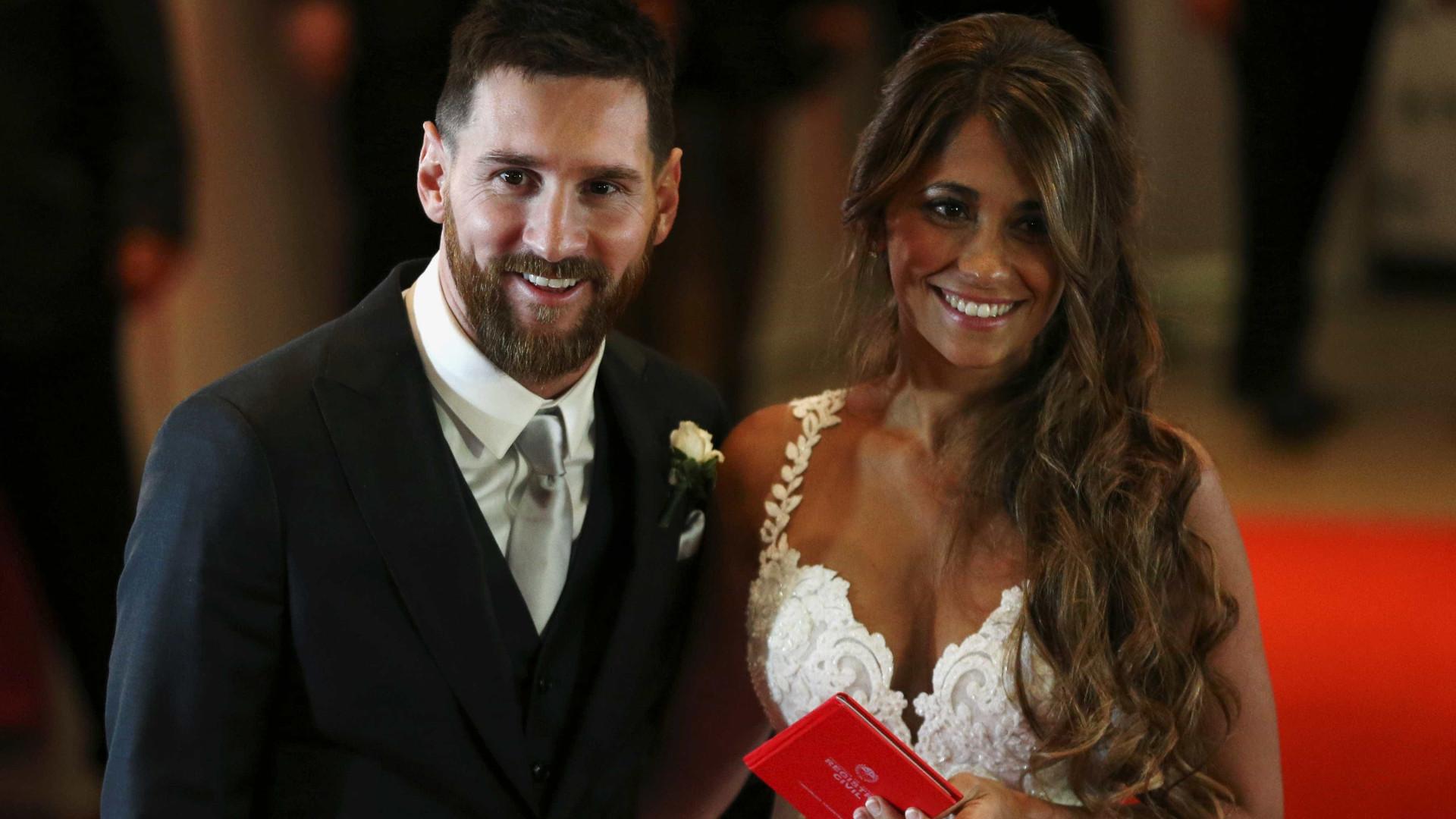 Messi mostra detalhes da cerimônia de casamento em vídeo