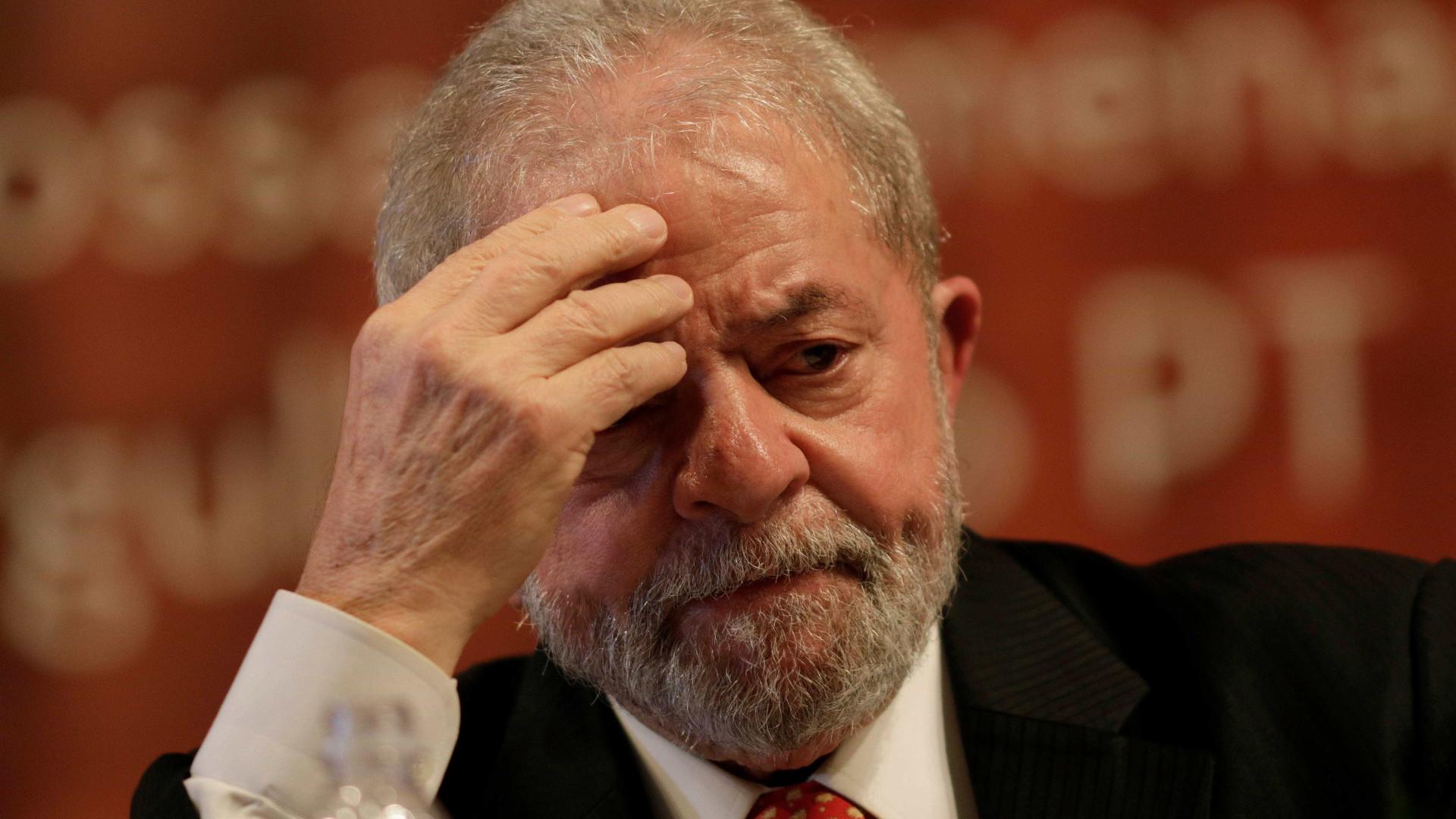 TSE proíbe propaganda de Lula na TV e eleva multa