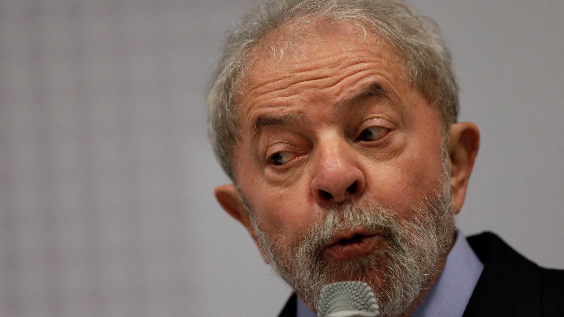 Mesmo liberado pelo STF, Lula desiste de encontrar família em SP