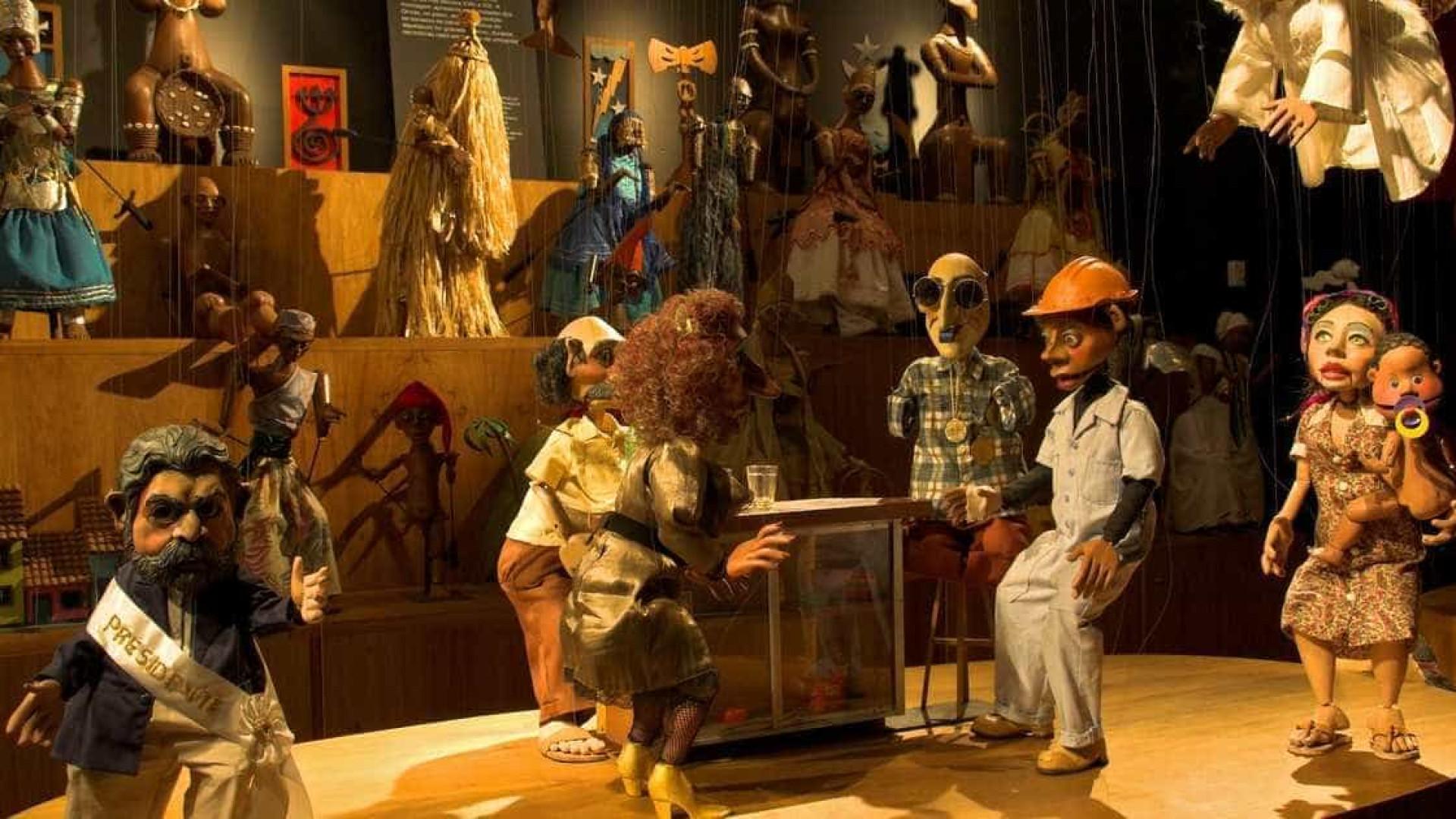 Exposição conta história do grupo de teatro de bonecos Giramundo