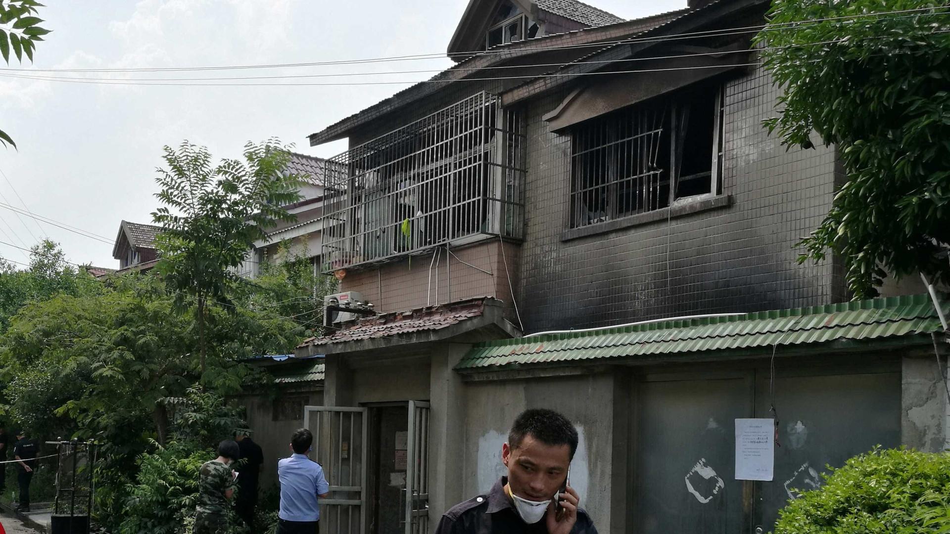 Incêndio criminoso mata 22 na China
