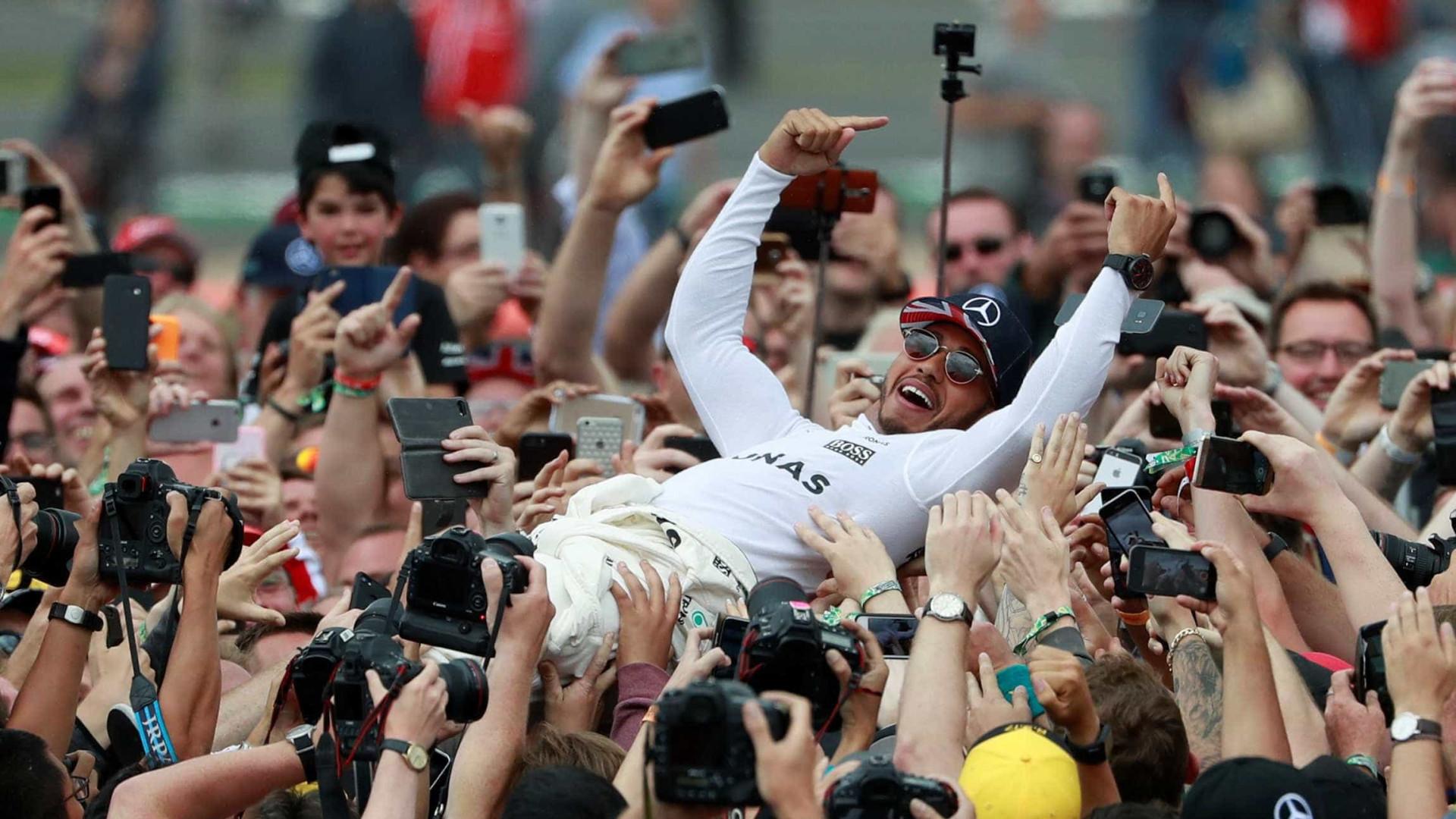 Hamilton vence GP da Inglaterra e Felipe Massa termina em décimo
