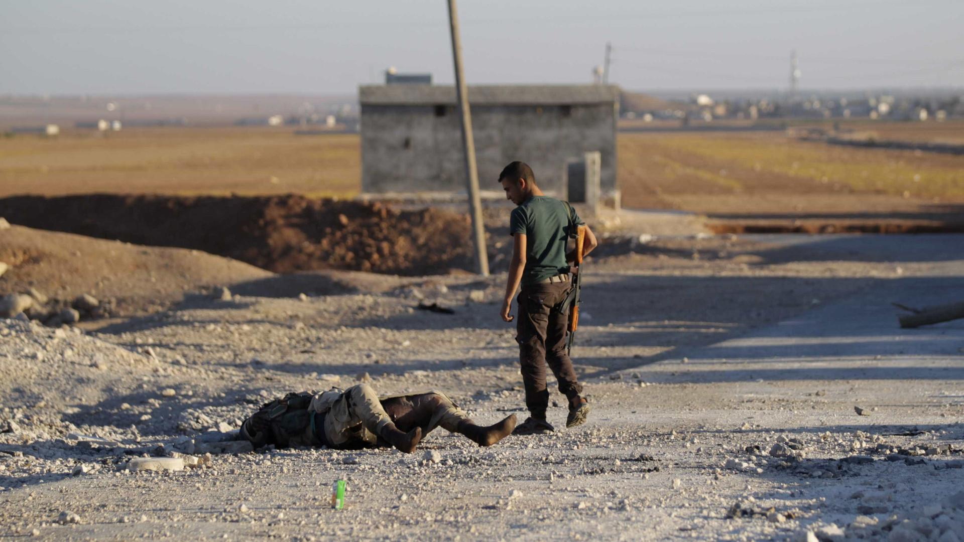 Mais de 330 mil pessoas morreram na Síria desde o início da guerra
