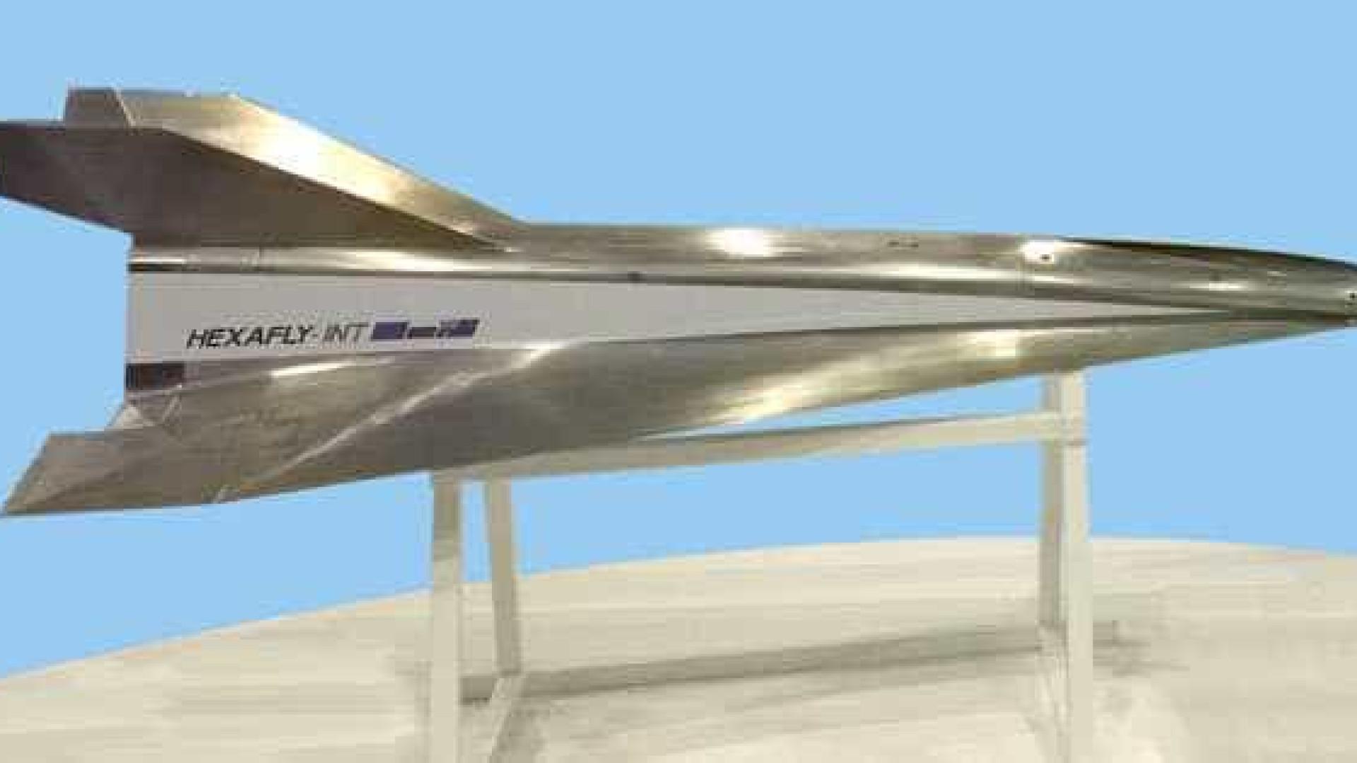 Rússia apresenta modelo de avião de passageiros supersônico