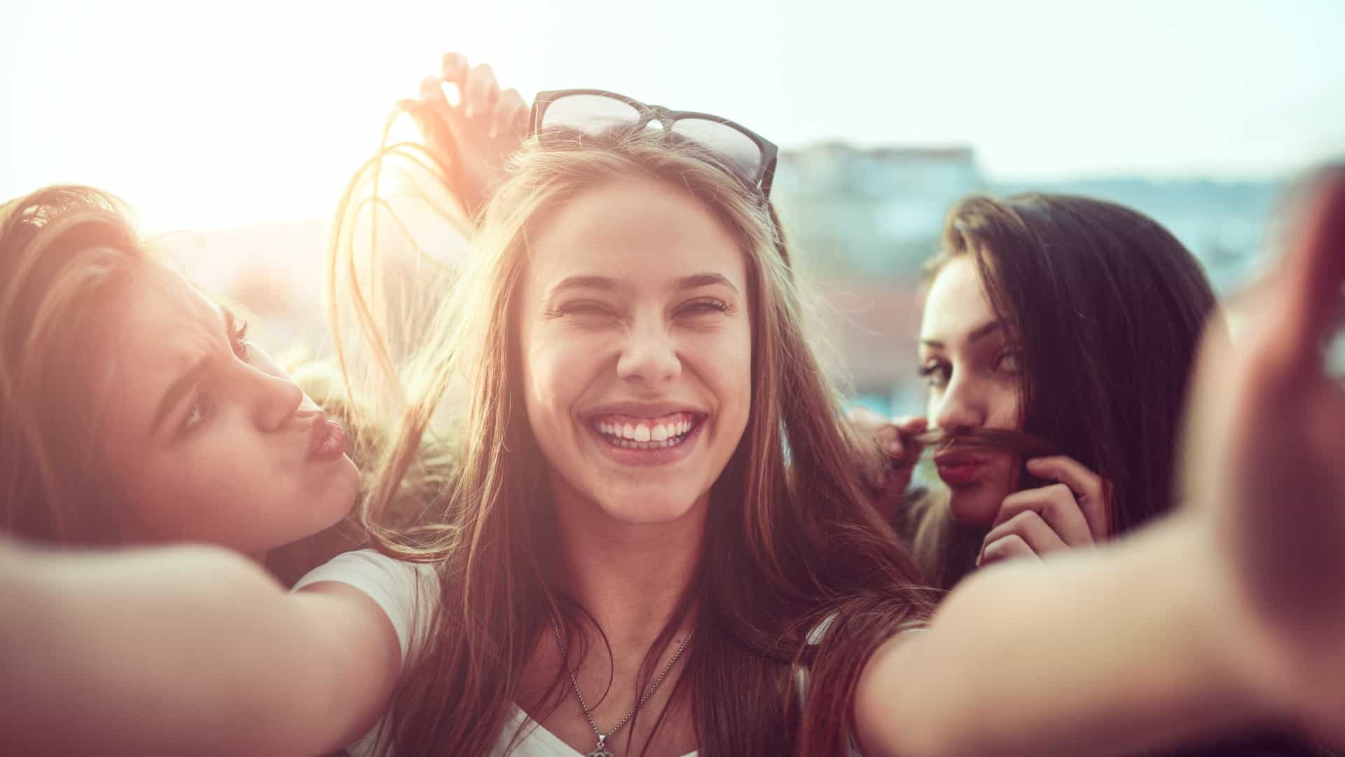Entenda a importância das relações sociais para a saúde