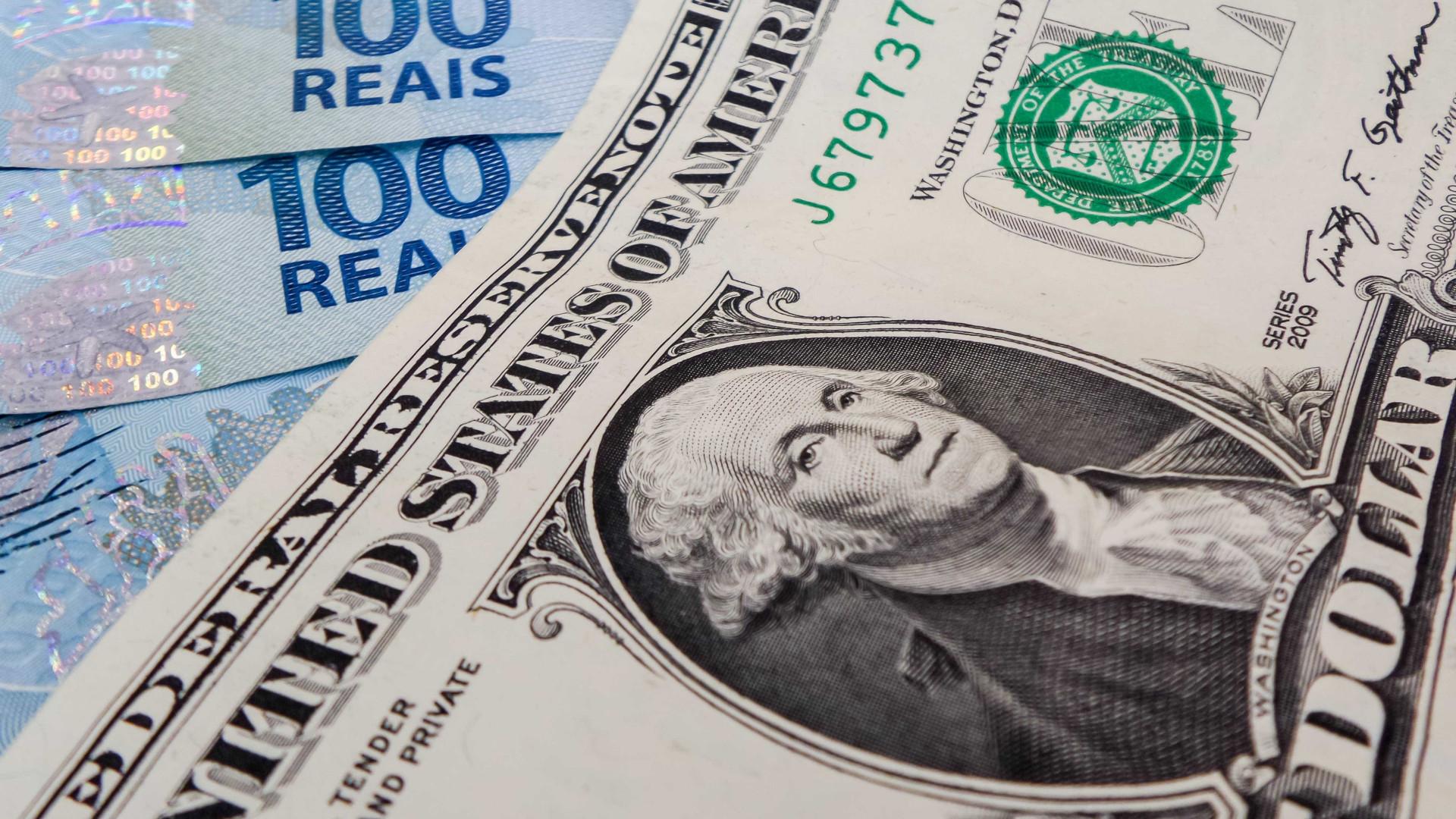 Dólar abre em leve queda ante o real nesta segunda-feira
