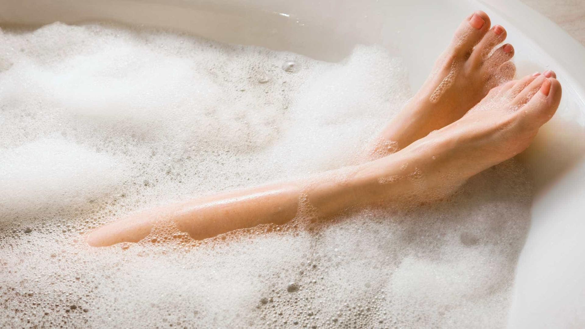 Banheira com gravidade zero dá a sensação de flutuar como astronautas