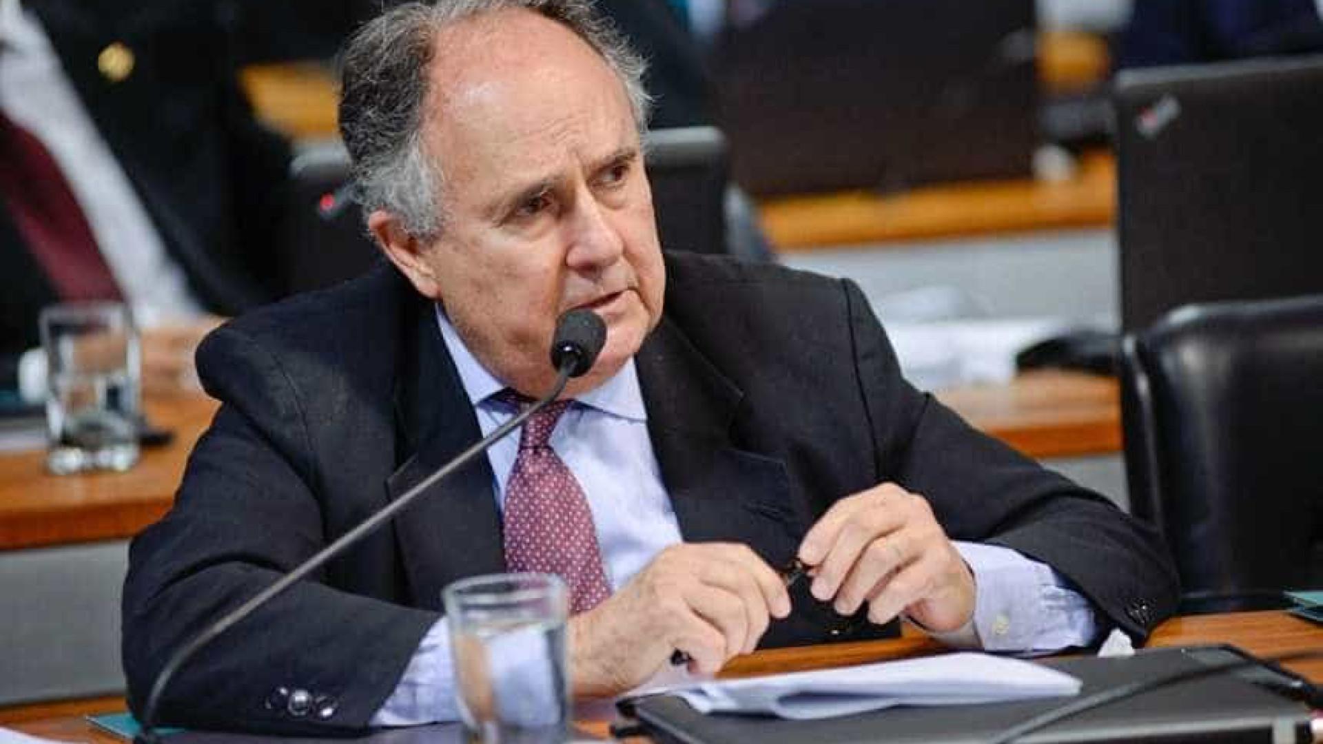 Cristovam Buarque declara voto em Haddad contra intolerância