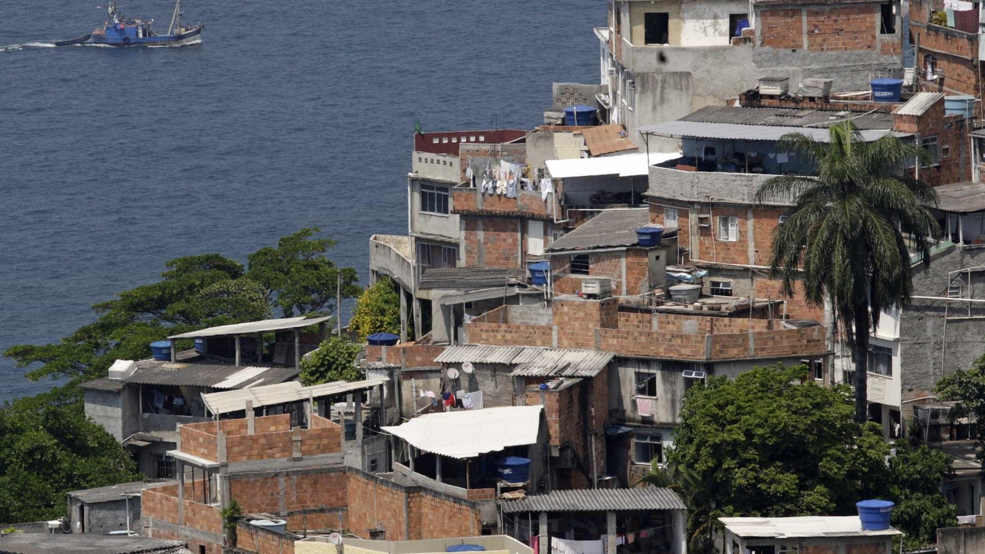 Brasil: 6 super-ricos têm renda equivalente a de 100 milhões de pobres