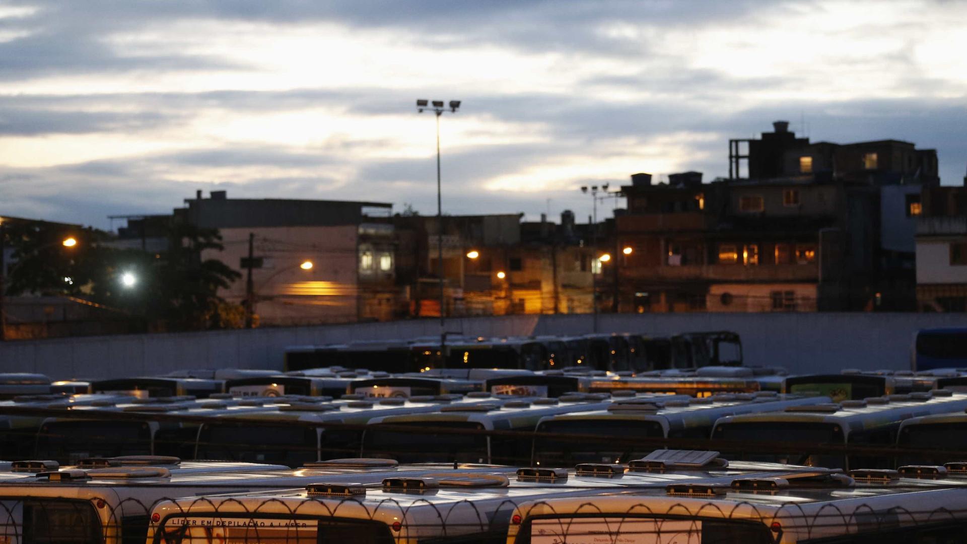 Paralisação de ônibus no RJ depende de disputa judicial