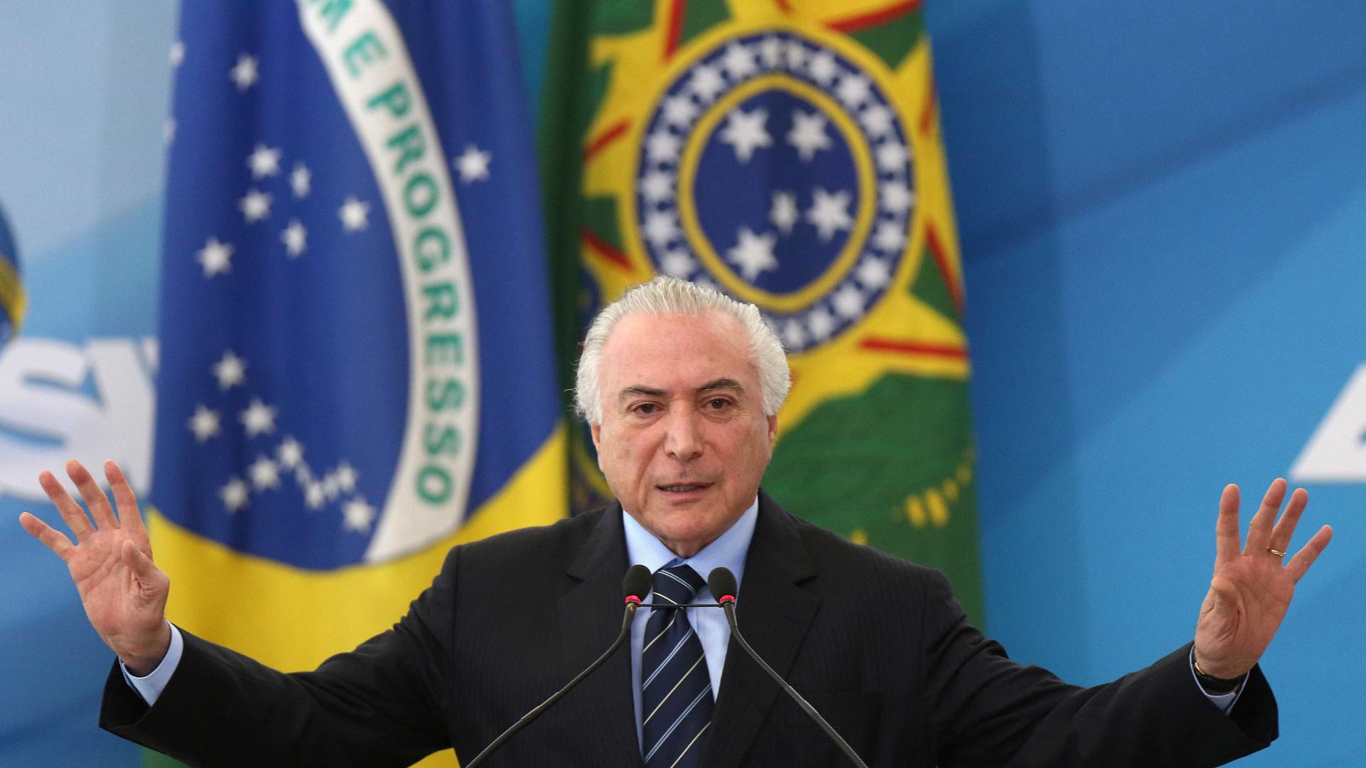 Para aprovar reformas, Planalto dará cargos a 'centrão'