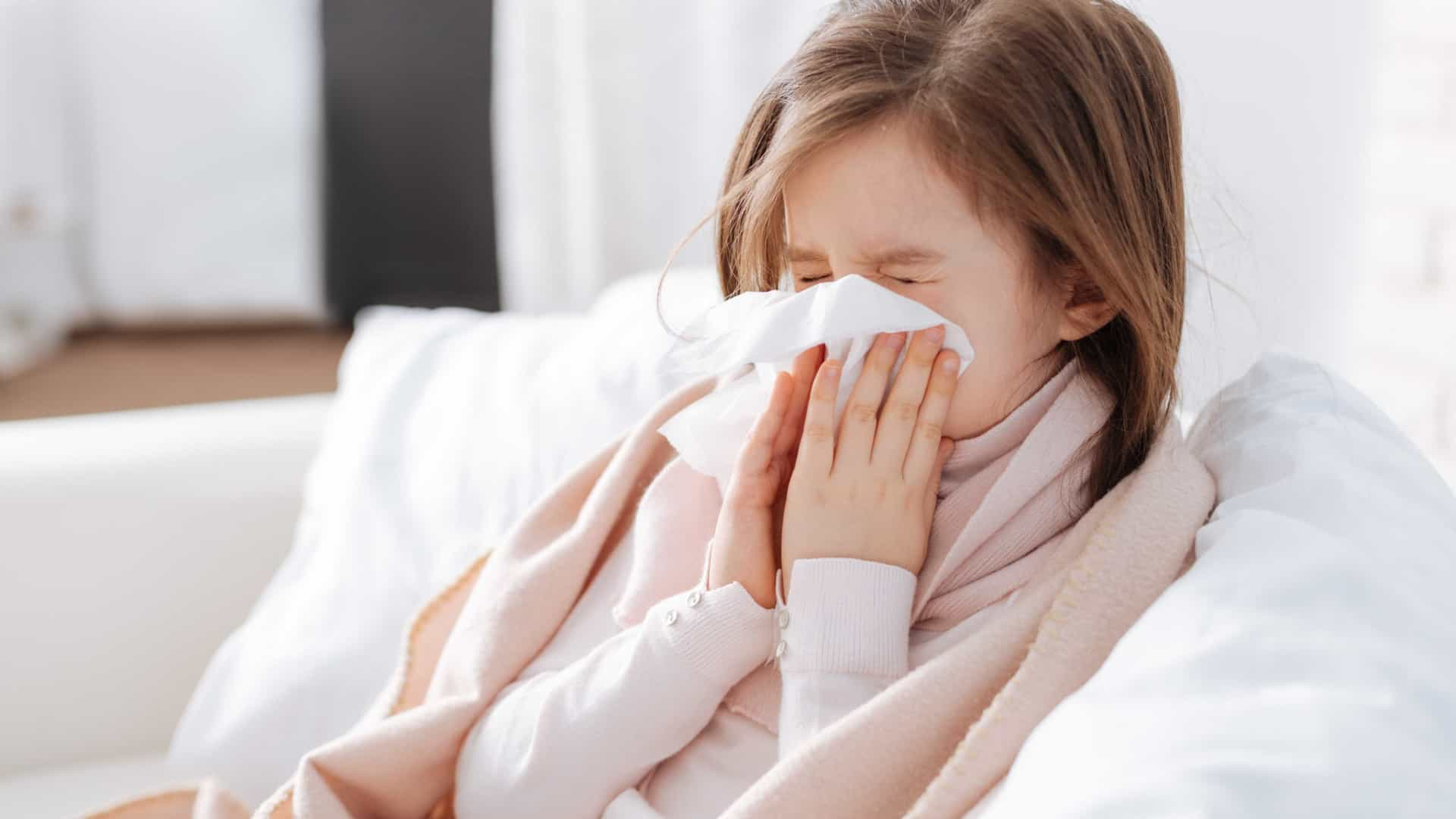 7 sinais que a criança com meningite apresenta
