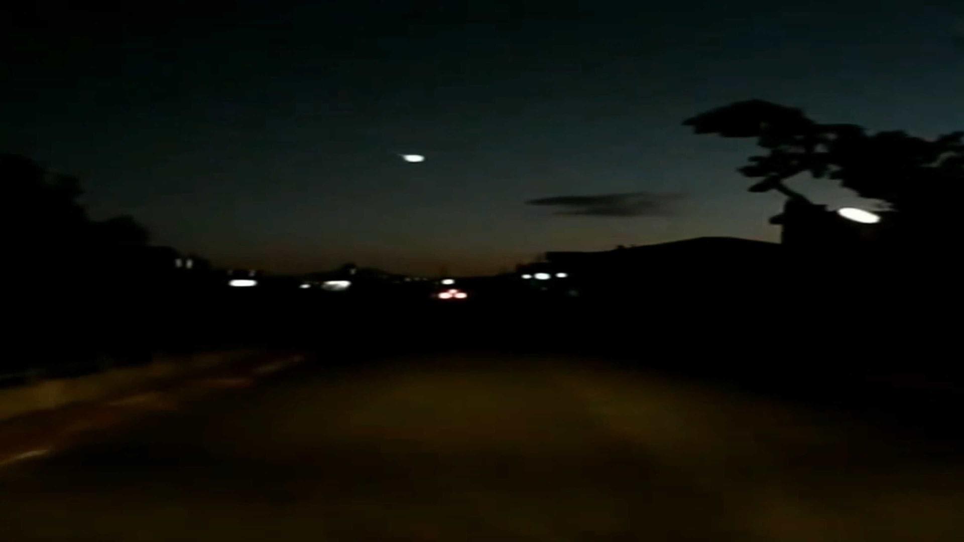 Dupla filma 'desfile de OVNIs' em Miami