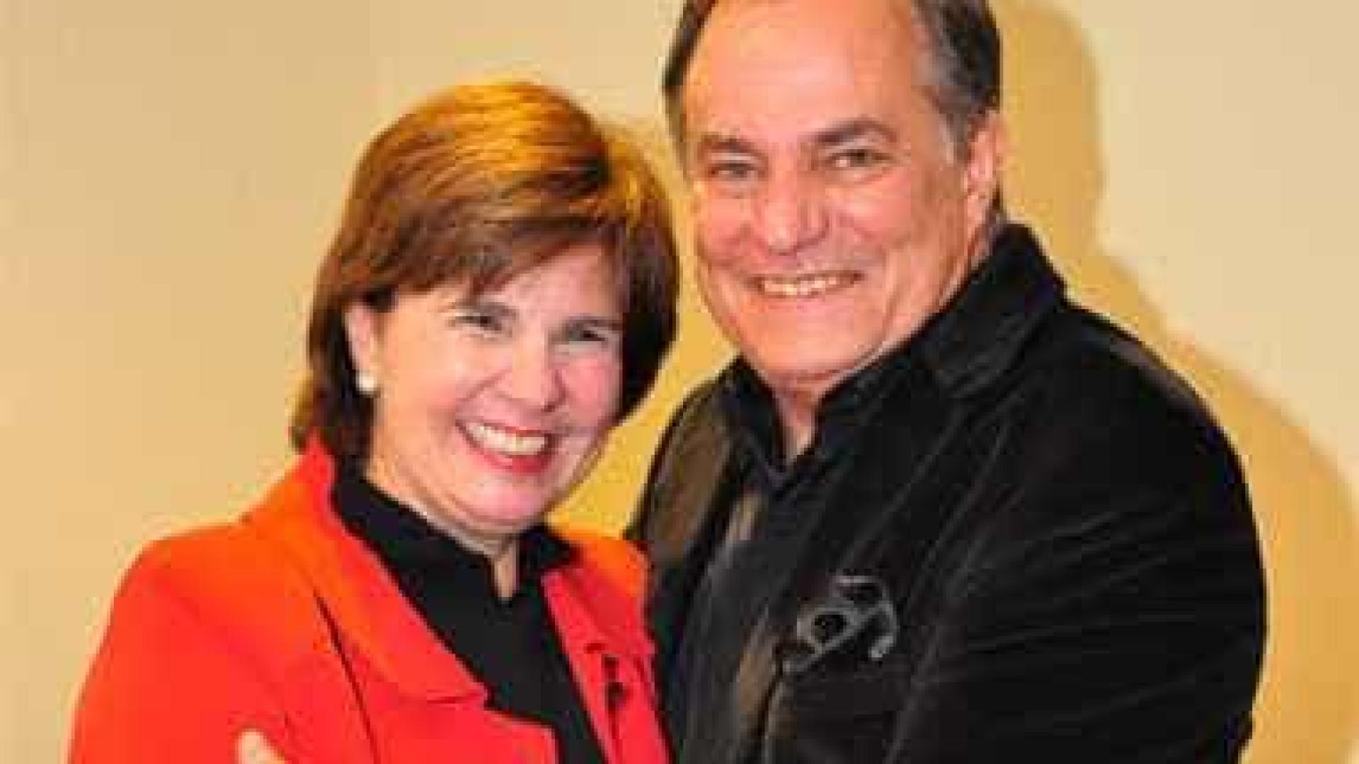 Esposa de Ronnie Von exalta vida íntima  do casal e elogia parceiro