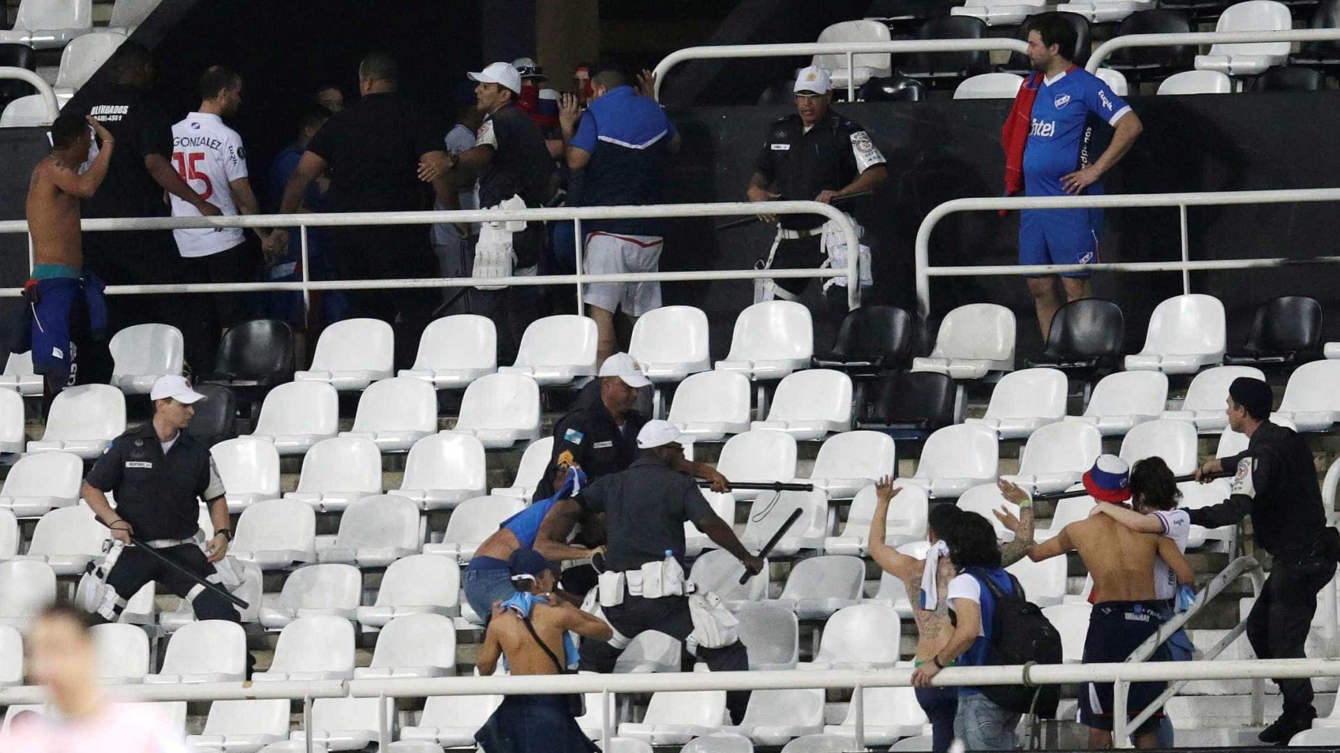 Botafogo enfrenta o Grêmio pelo Brasileiro em prévia das quartas da Libertadores