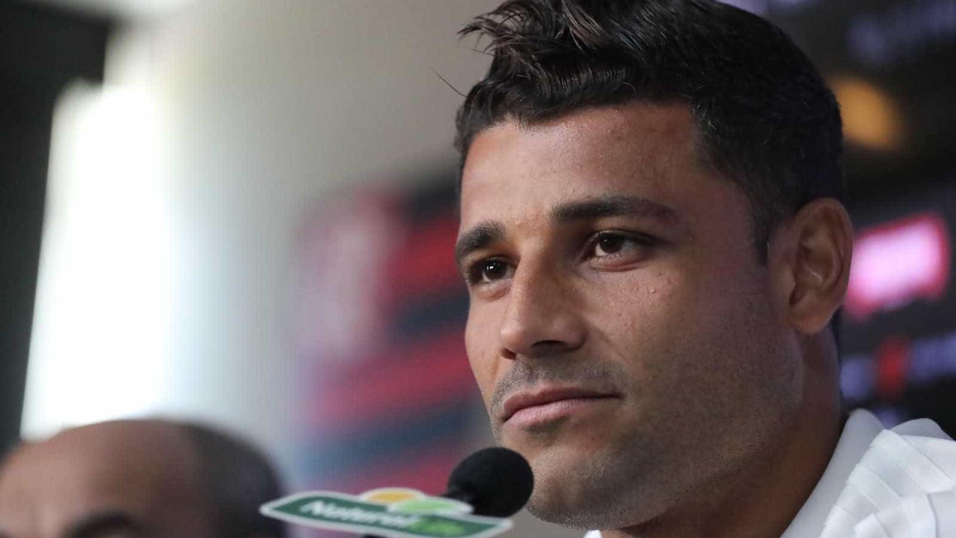 Ederson, do Flamengo, finaliza quimioterapia e já deve voltar a treinar