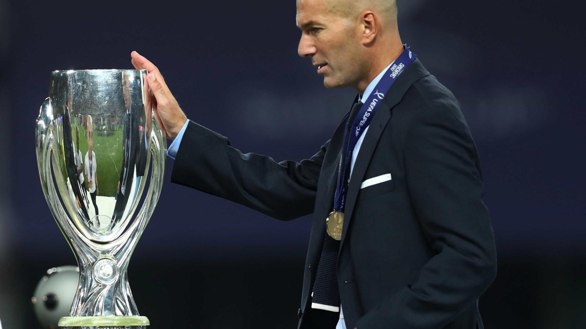 Zidane renova contrato por três temporadas com o Real Madrid