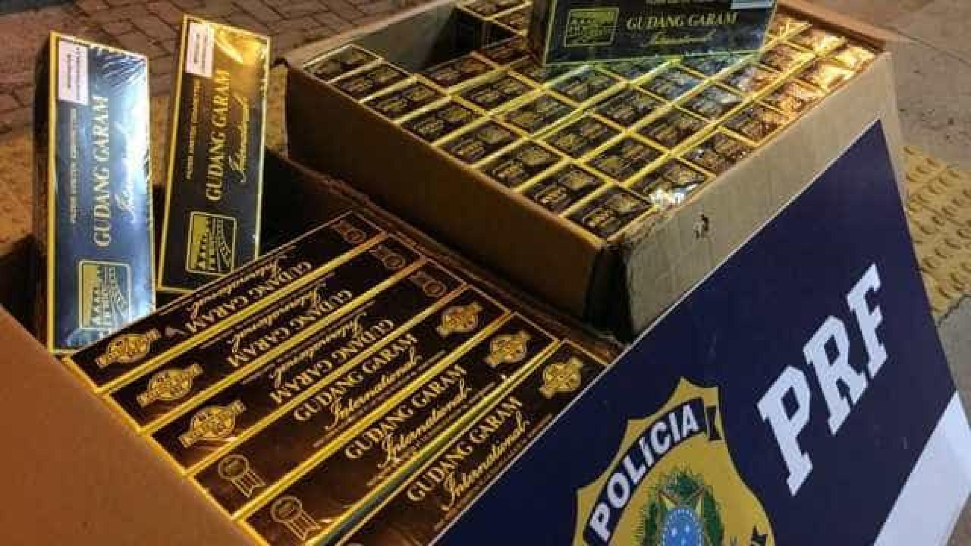 Mais de mil maços de cigarros  foram contrabandeados em ônibus