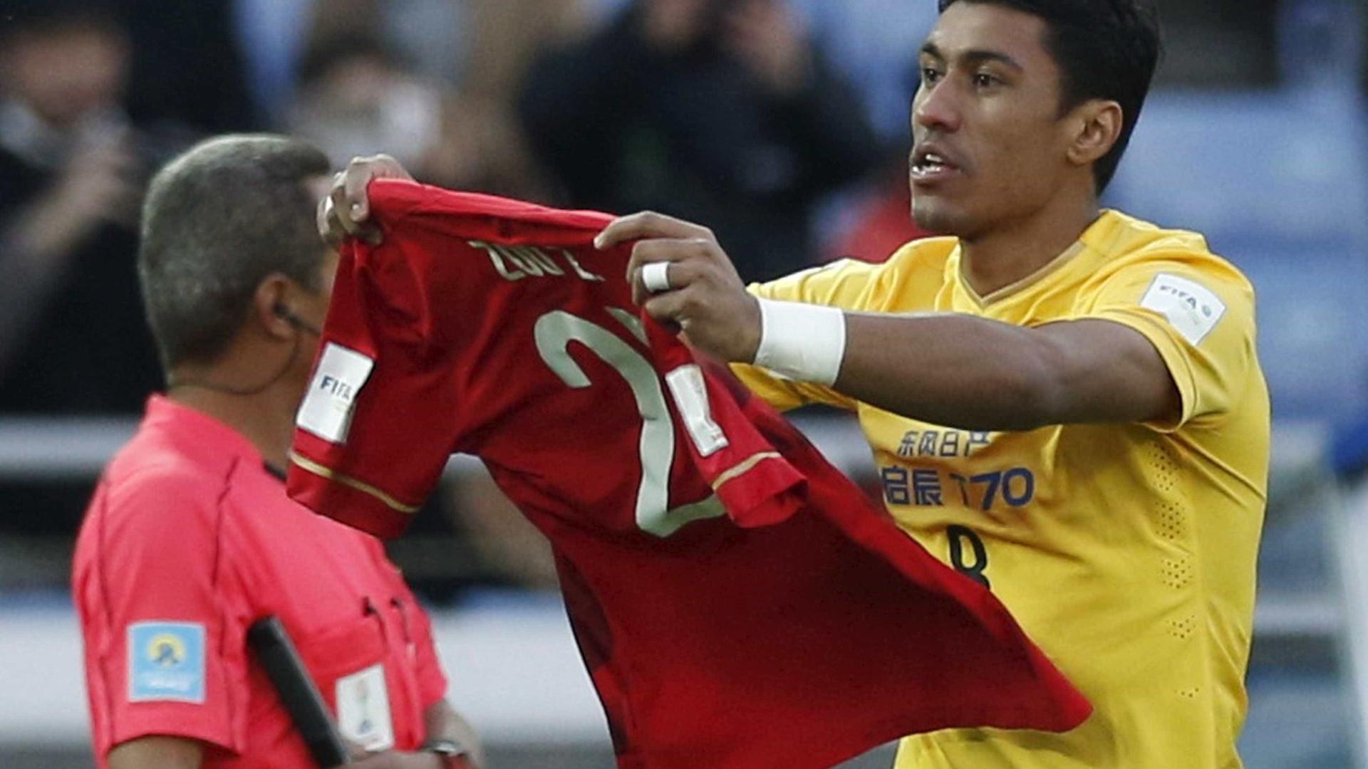 Barcelona aceita pagar multa de R$ 150 milhões por Paulinho