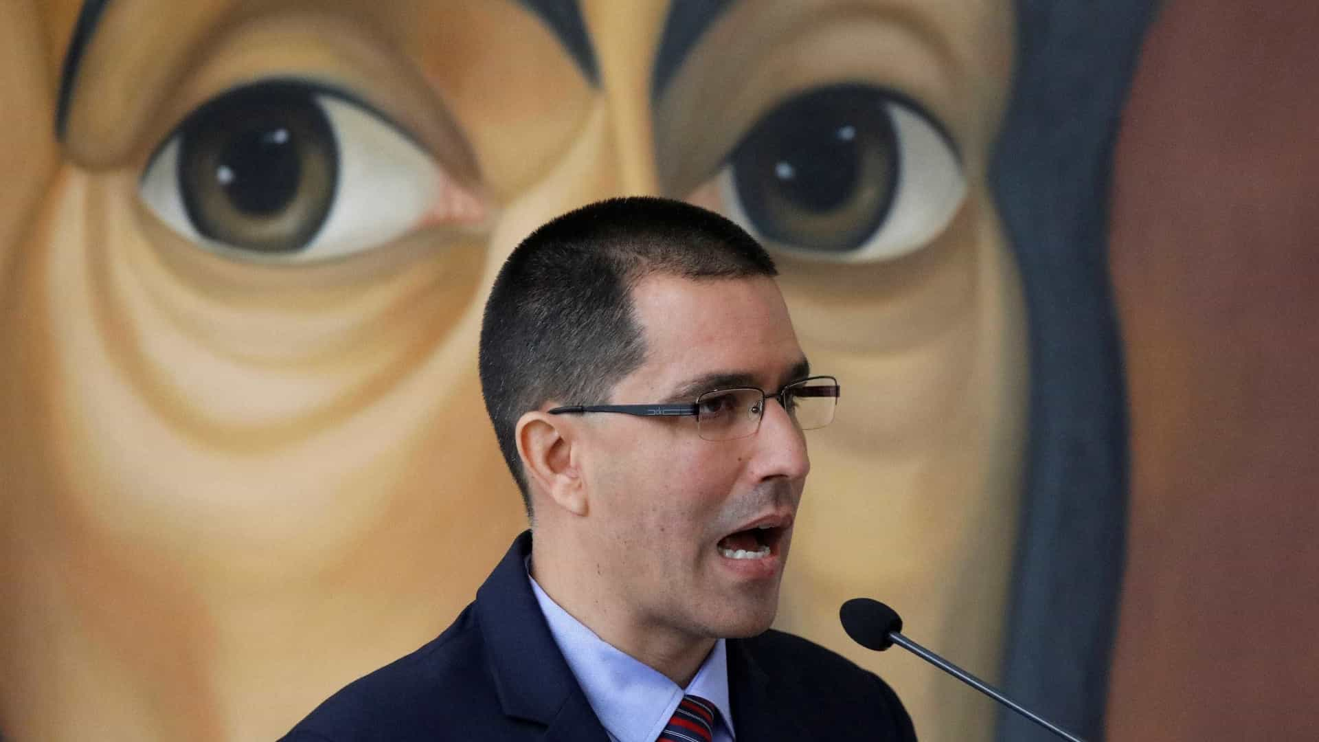 Venezuela repudia declaração de Trump sobre 'opção militar'