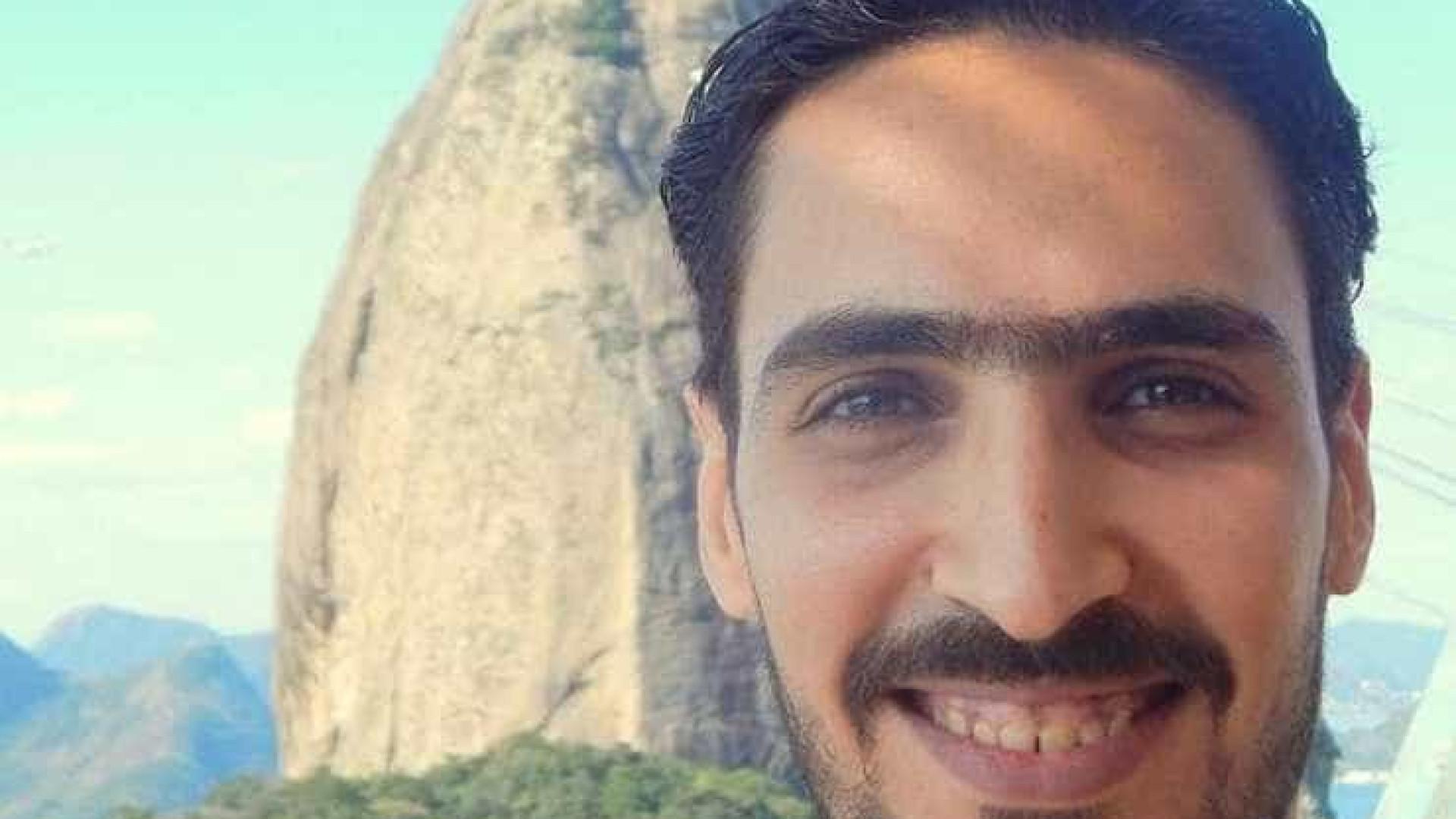 Cariocas fazem 'esfihaço' em apoio a sírio hostilizado em Copacabana