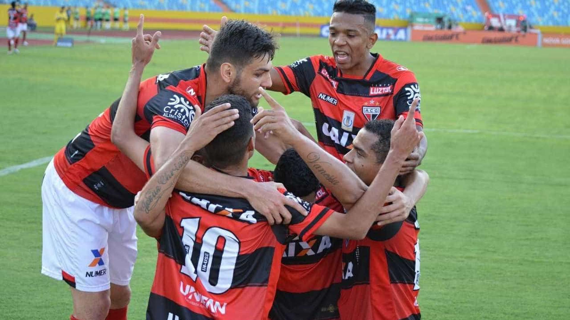 Atlético-GO vence e freia reação do Coritiba no Brasileiro