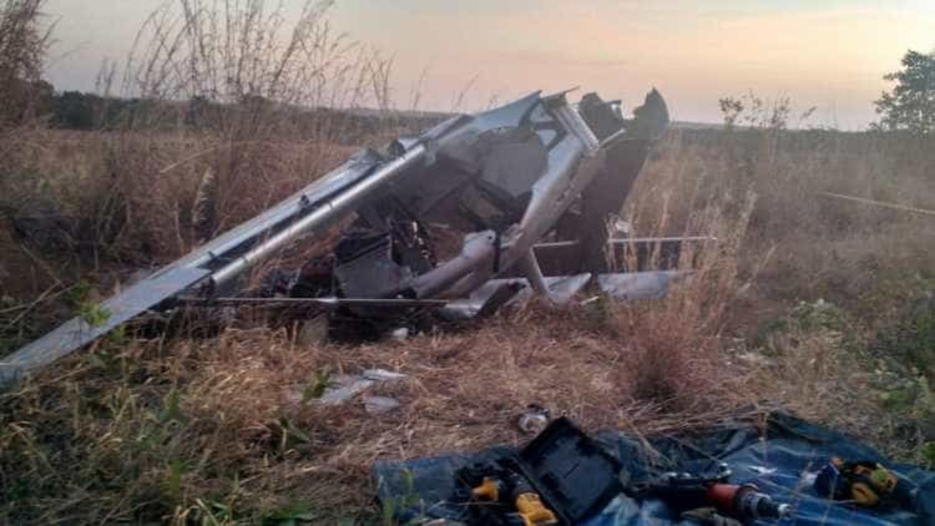 Avião pilotado por ex-senador que pediu asilo no Brasil cai em Goiás