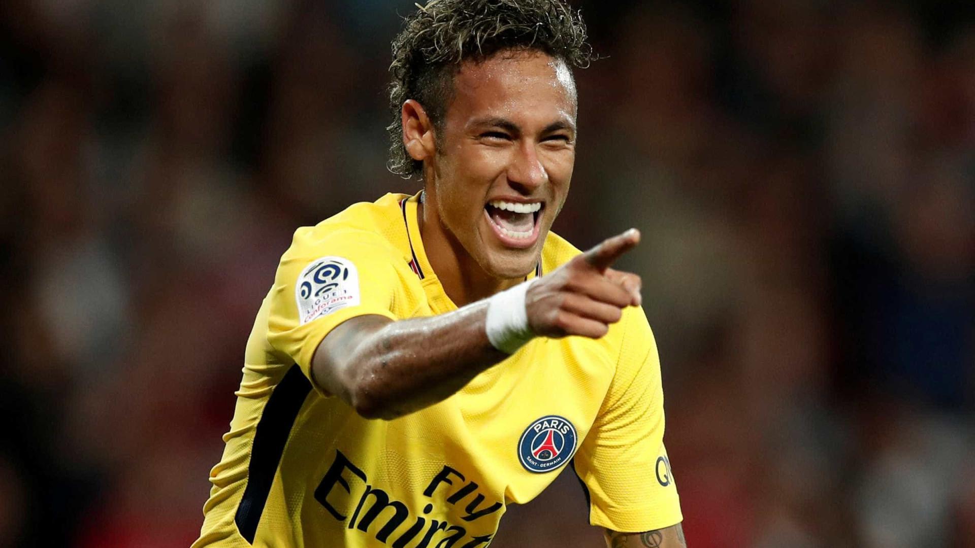 Neymar aprova estreia com gol pelo PSG