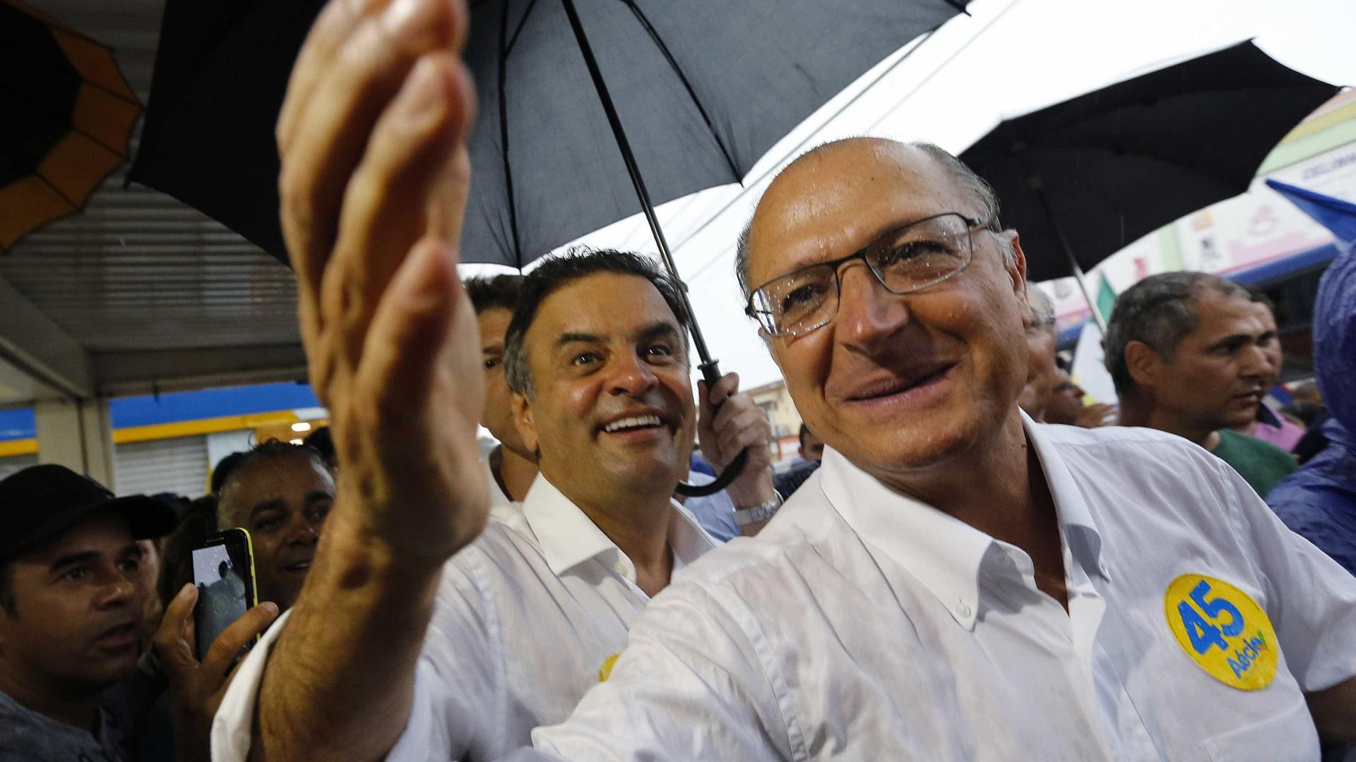 Alckmin encontra-se com Aécio e outros parlamentares no Senado