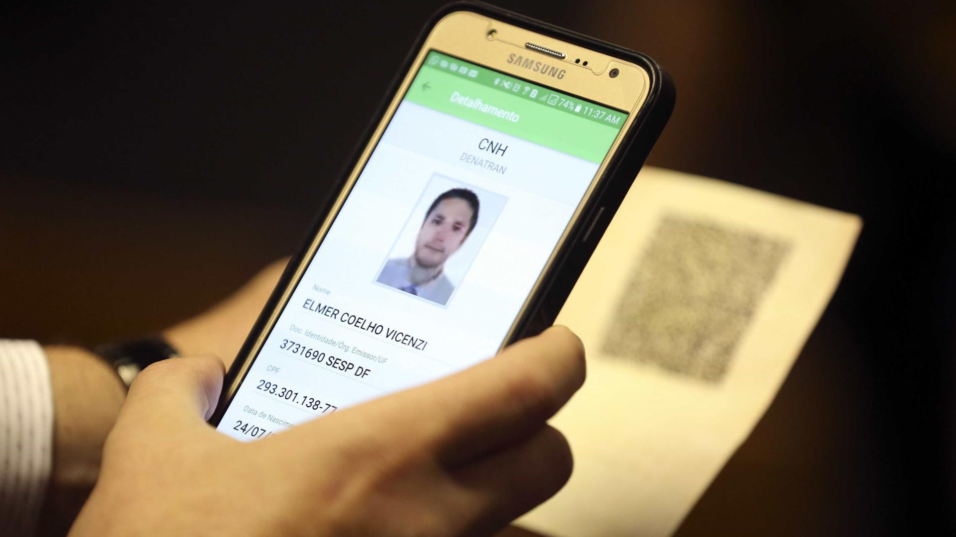 CNH terá chip, 'cara' de cartão de crédito e integração no exterior