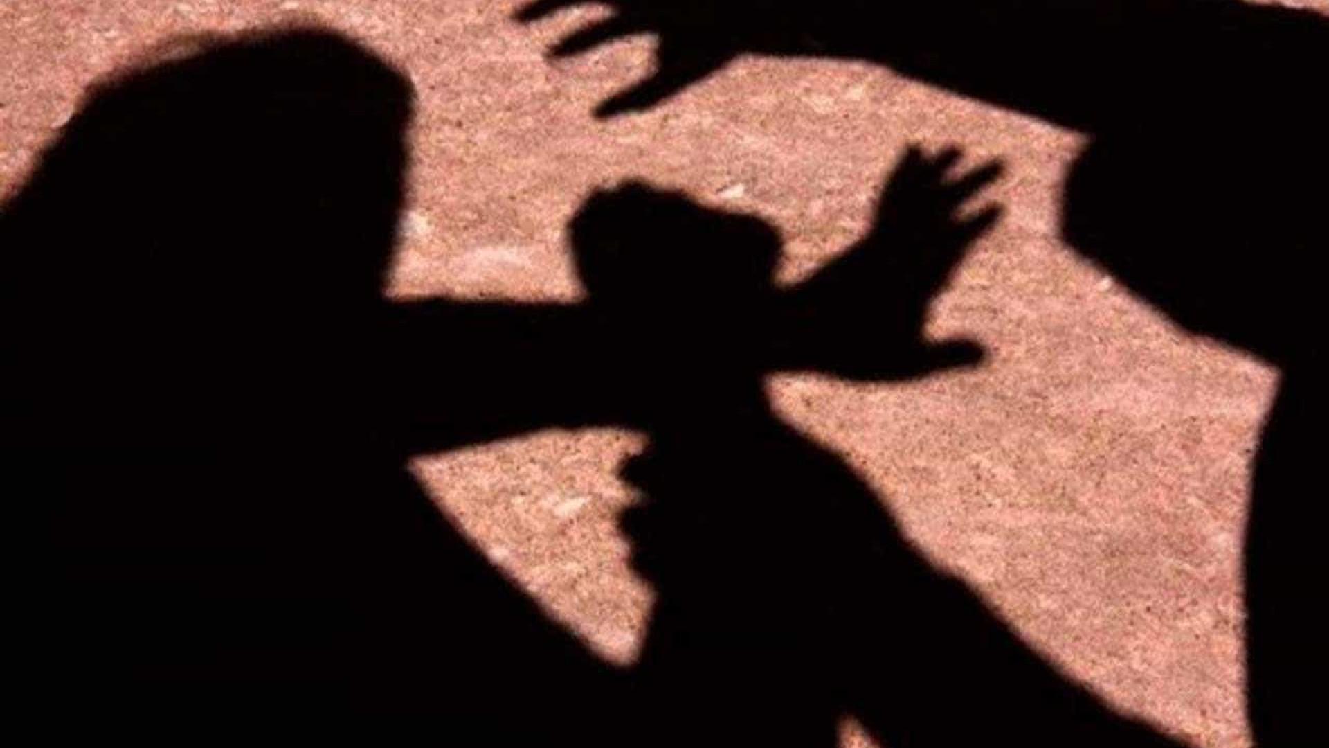 Fisioterapeuta e professor preso por estuprar 2 crianças e 3 jovens